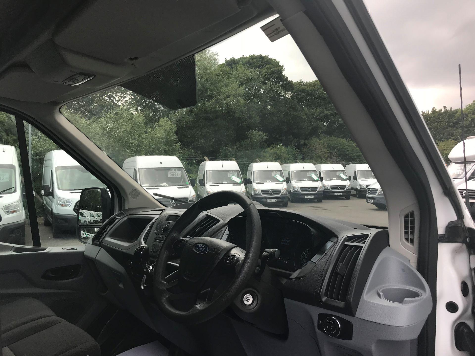 2015 Ford Transit 350 L4 LUTON 125PS EURO 5 (WV65VUD) Image 18