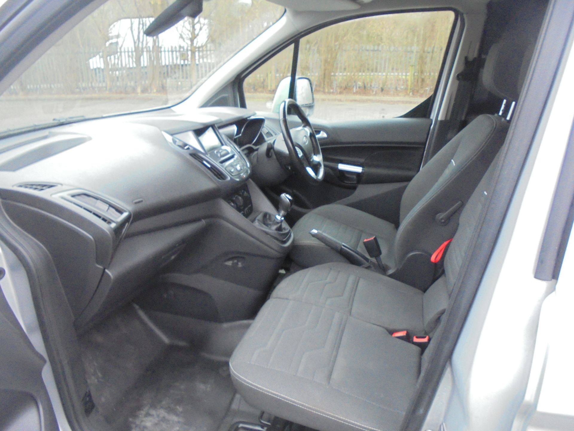 2017 Ford Transit Connect 1.5 Tdci 120Ps Limited Van (WV67PXH) Image 5