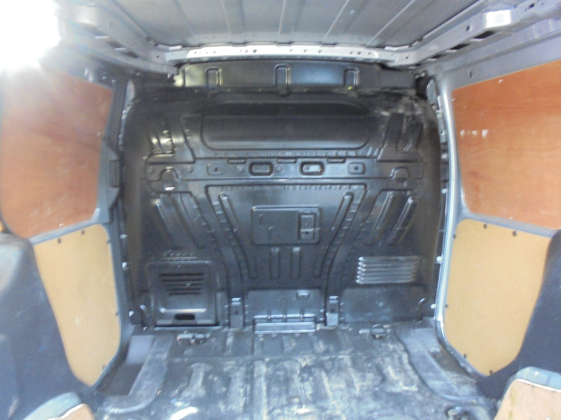 2017 Ford Transit Connect 1.5 Tdci 120Ps Limited Van (WV67PXH) Image 10