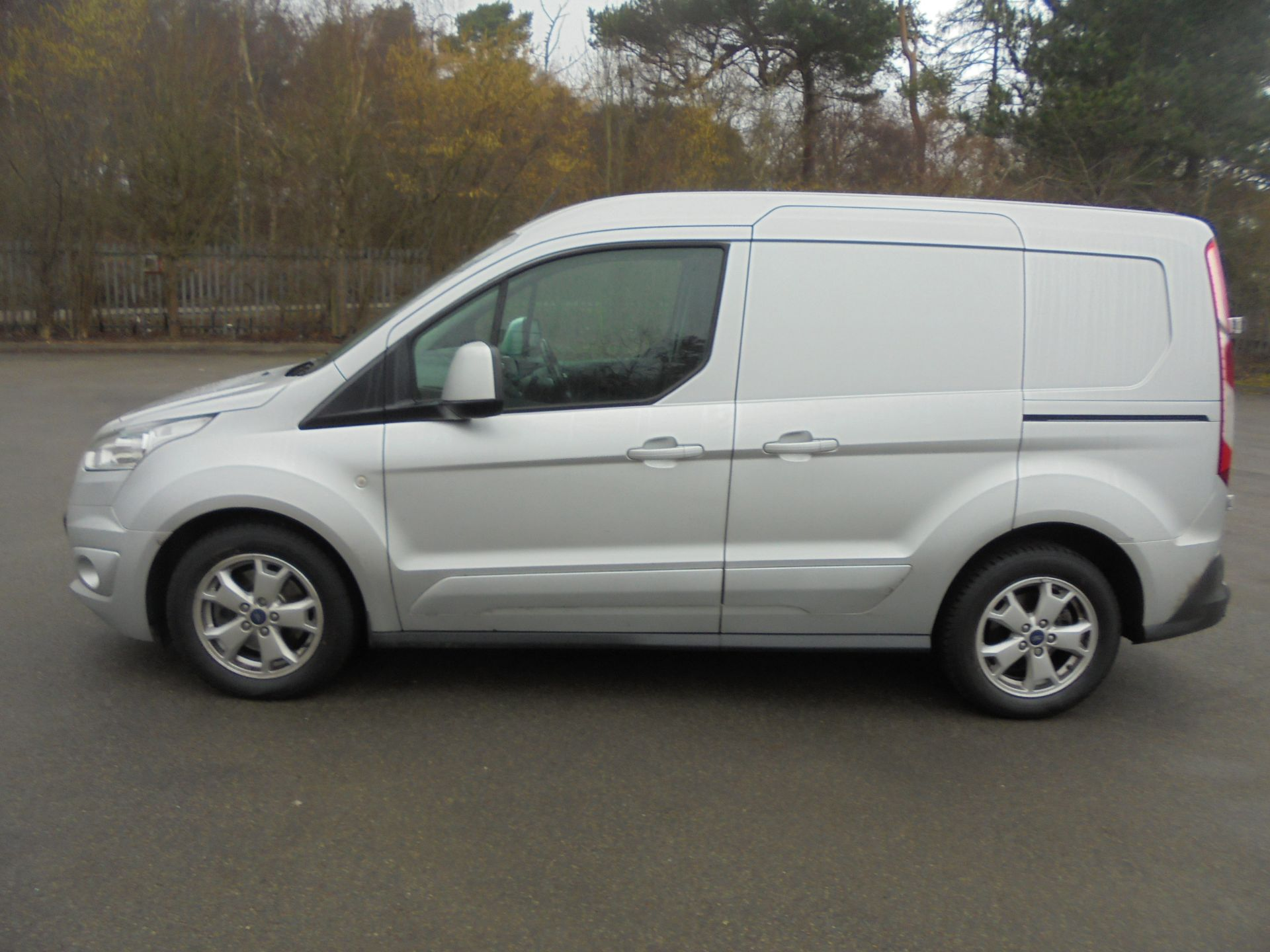 2017 Ford Transit Connect 1.5 Tdci 120Ps Limited Van (WV67PXH) Image 4