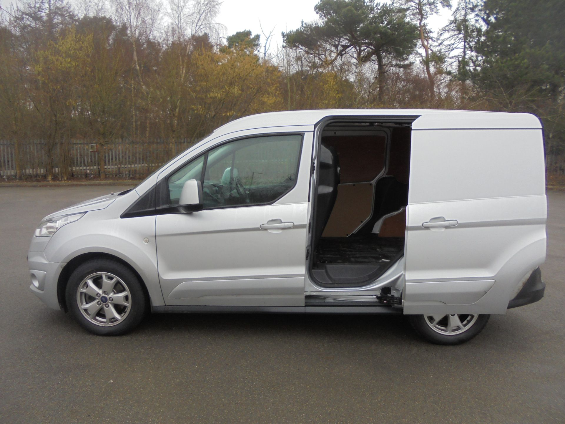 2017 Ford Transit Connect 1.5 Tdci 120Ps Limited Van (WV67PXH) Image 6