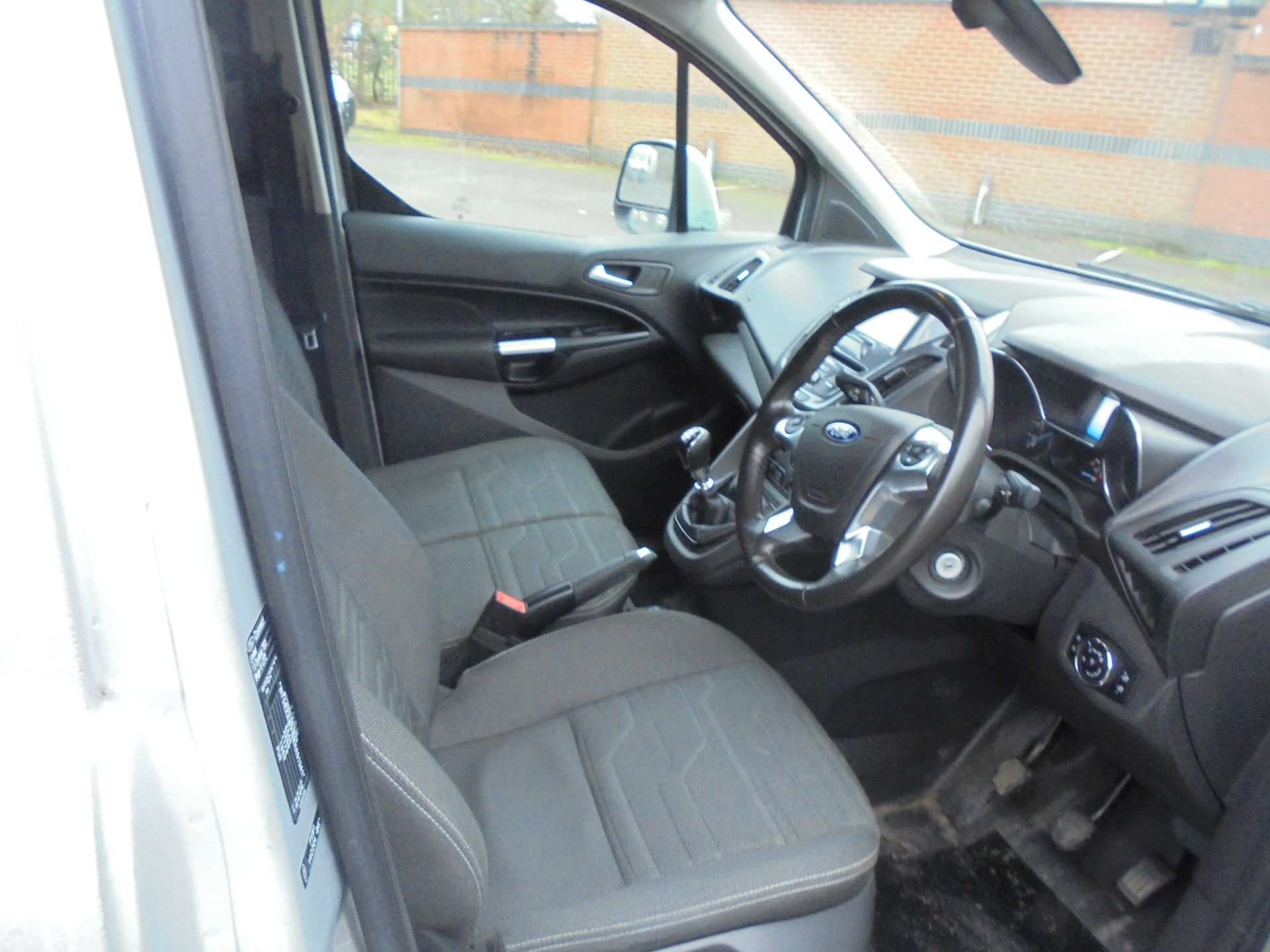 2017 Ford Transit Connect 1.5 Tdci 120Ps Limited Van (WV67PXH) Image 12