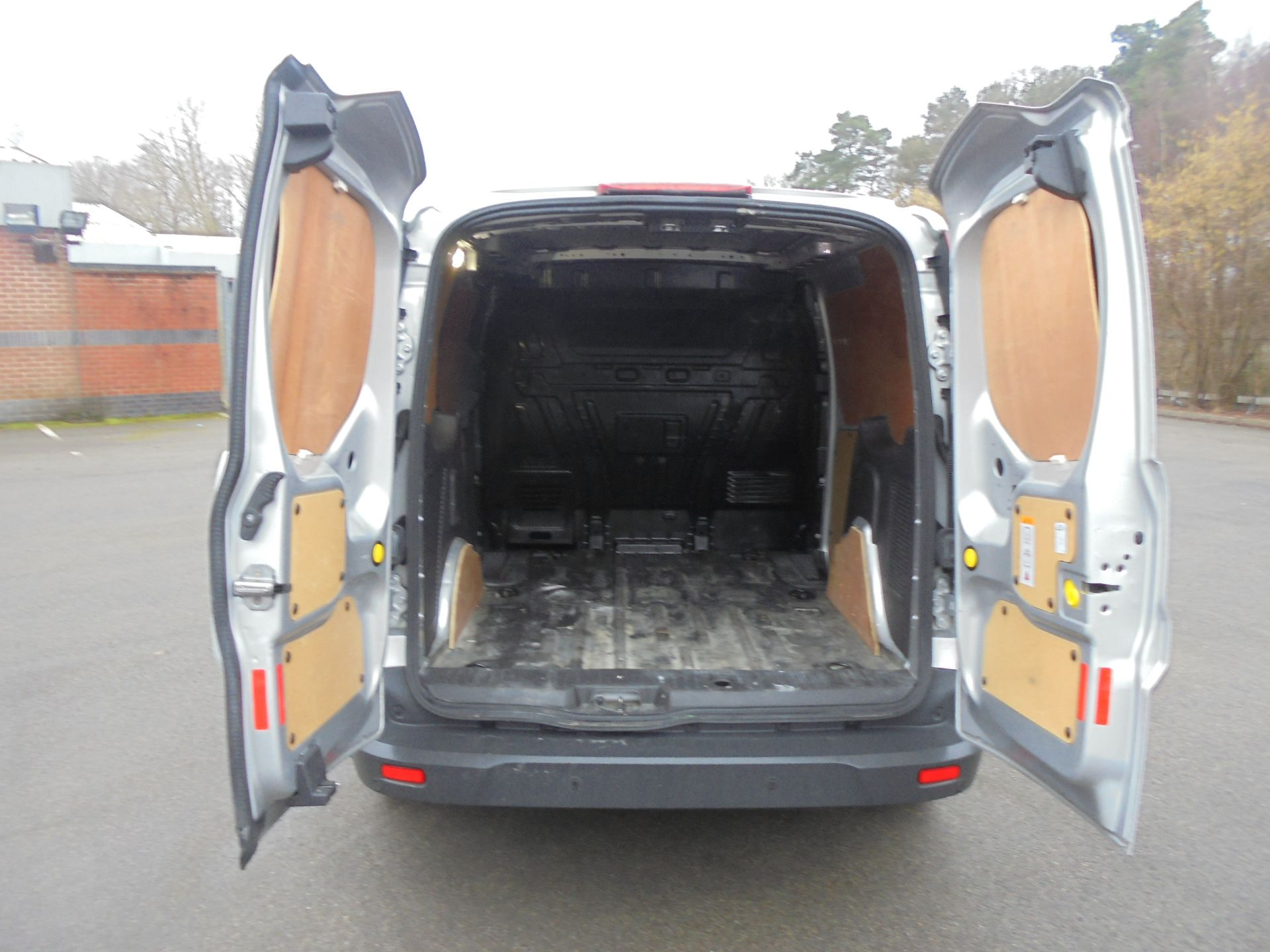 2017 Ford Transit Connect 1.5 Tdci 120Ps Limited Van (WV67PXH) Image 9
