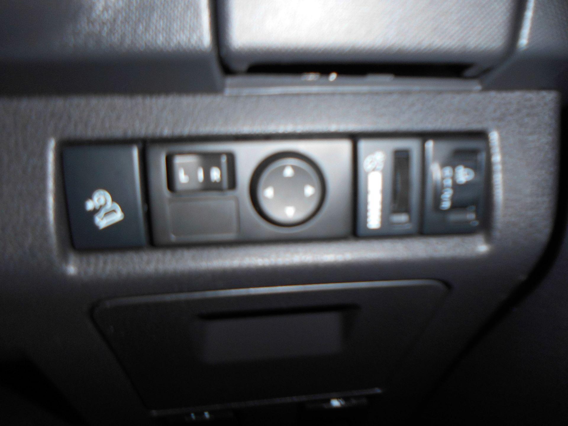 2018 Isuzu D-Max 1.9 Double Cab 4X4 Euro 6  (YA67HDZ) Image 18