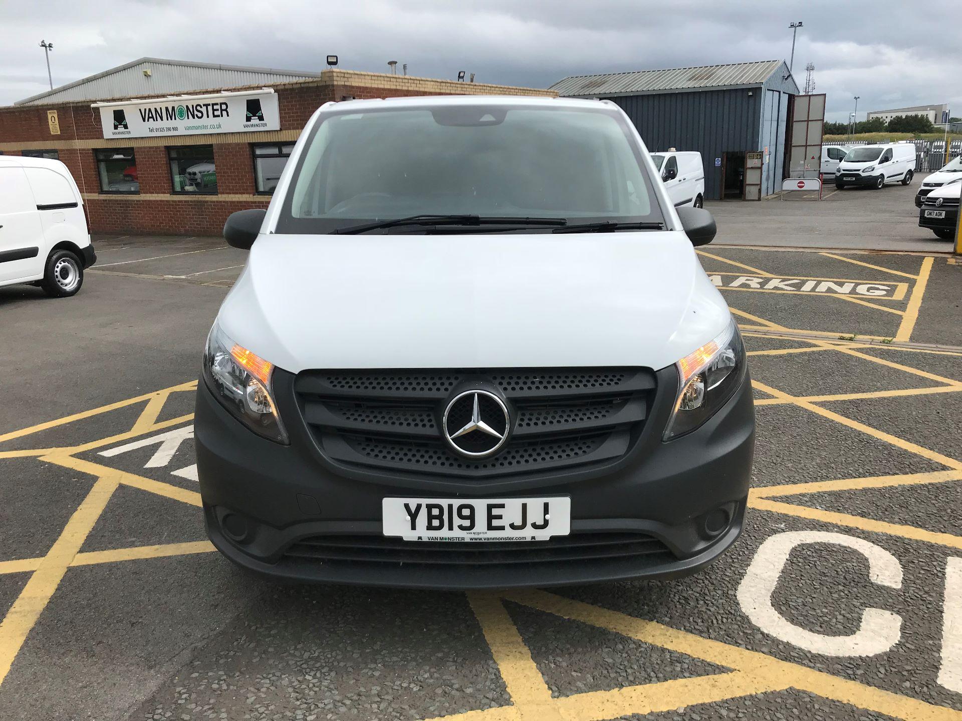 2019 Mercedes-Benz Vito 111Cdi Van (YB19EJJ) Image 2