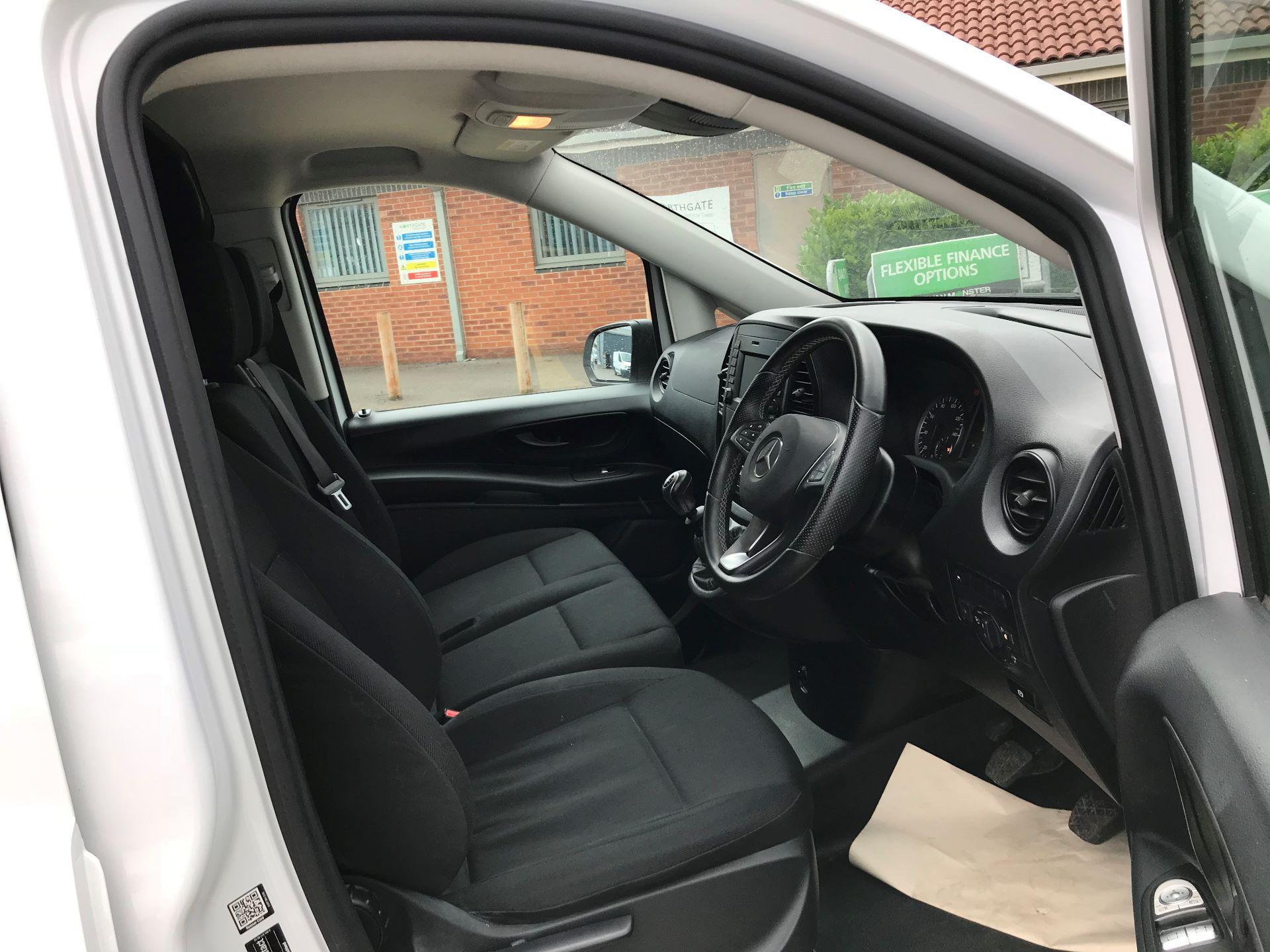 2019 Mercedes-Benz Vito 111Cdi Van (YB19EJJ) Image 11
