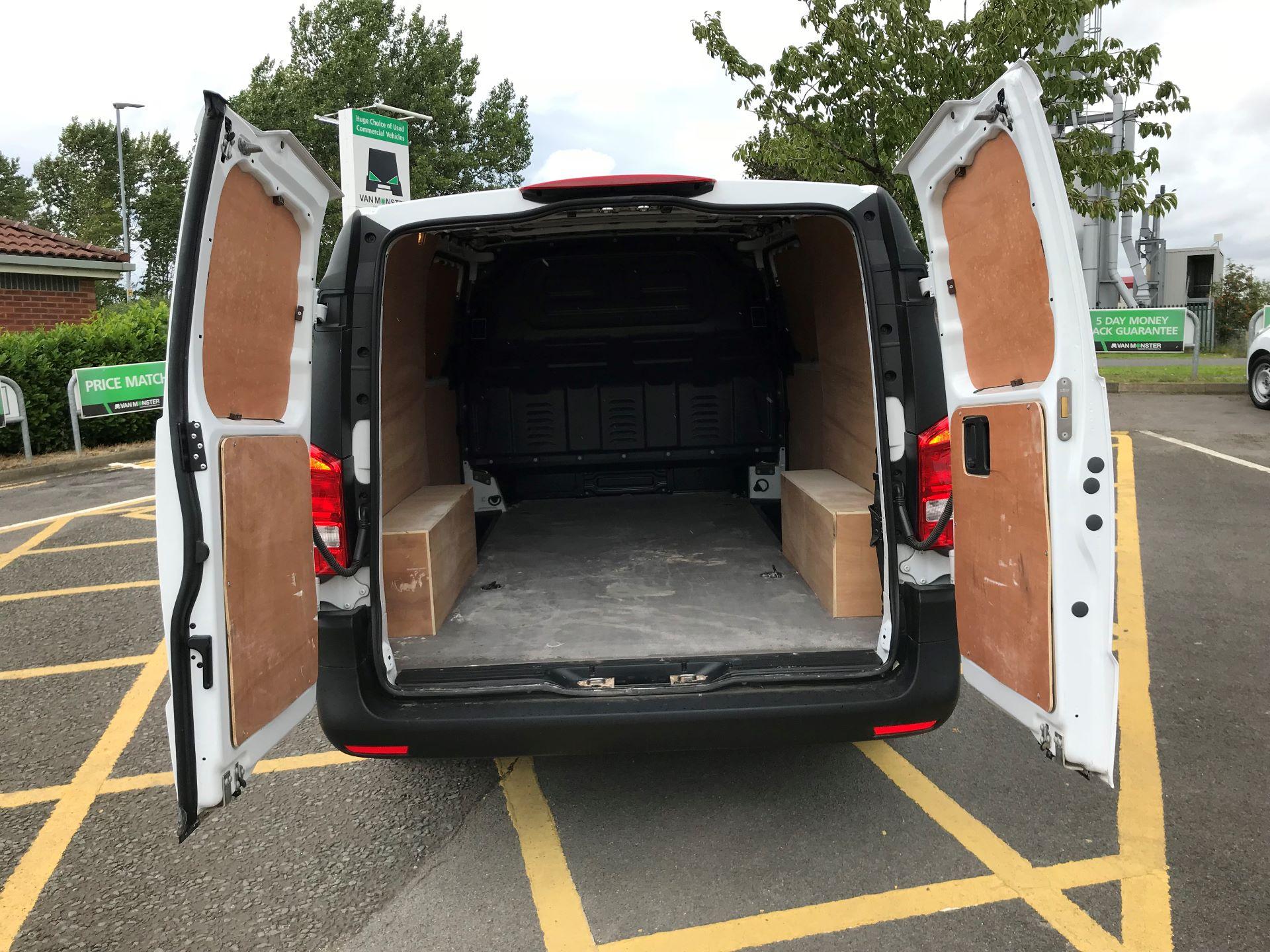 2019 Mercedes-Benz Vito 111Cdi Van (YB19EJJ) Image 17
