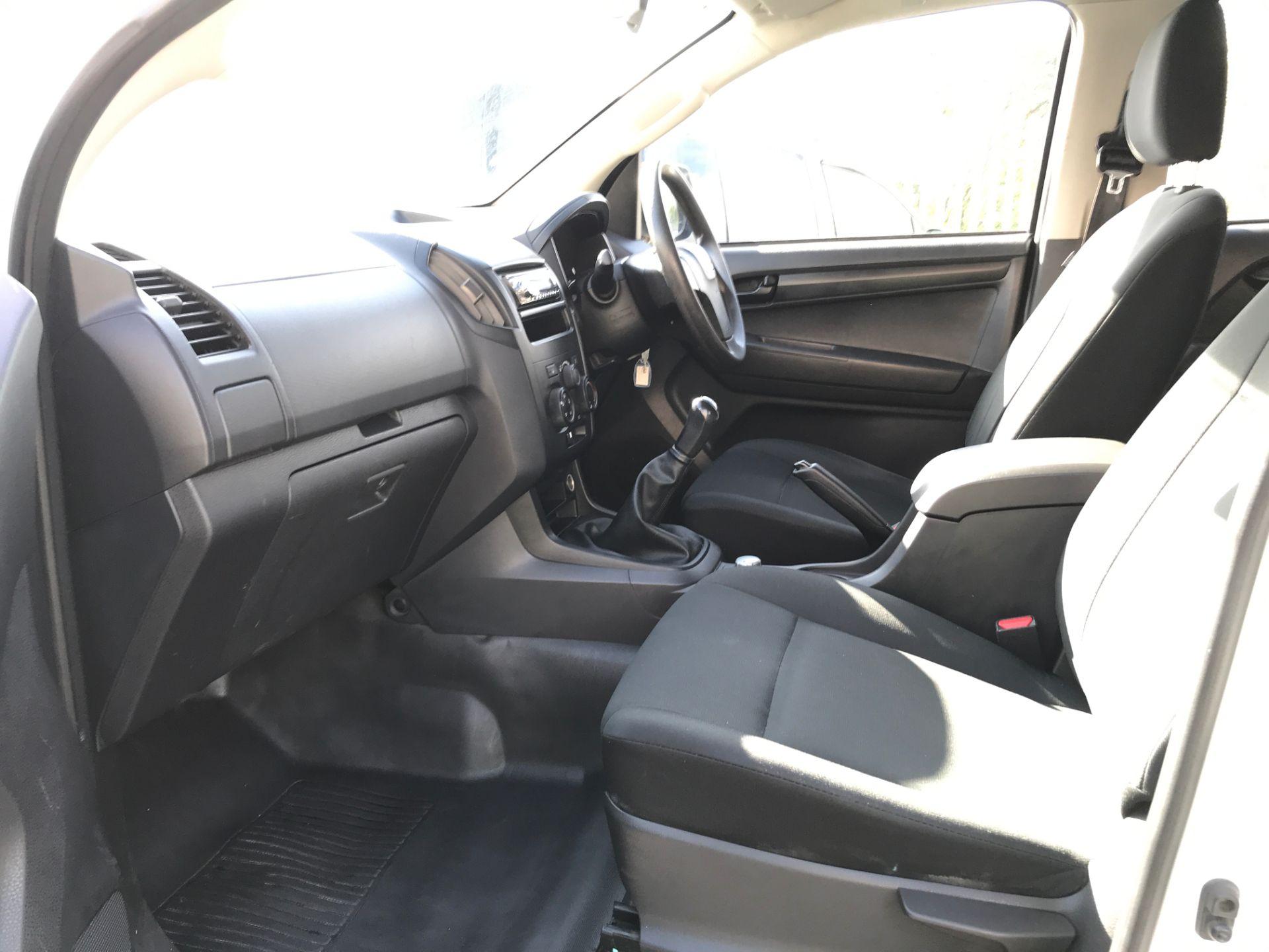 2015 Isuzu D-Max DOUBLE CAB 4X4 2.5TD 163PS EURO 5, AIR CON (YB65DJF) Image 12