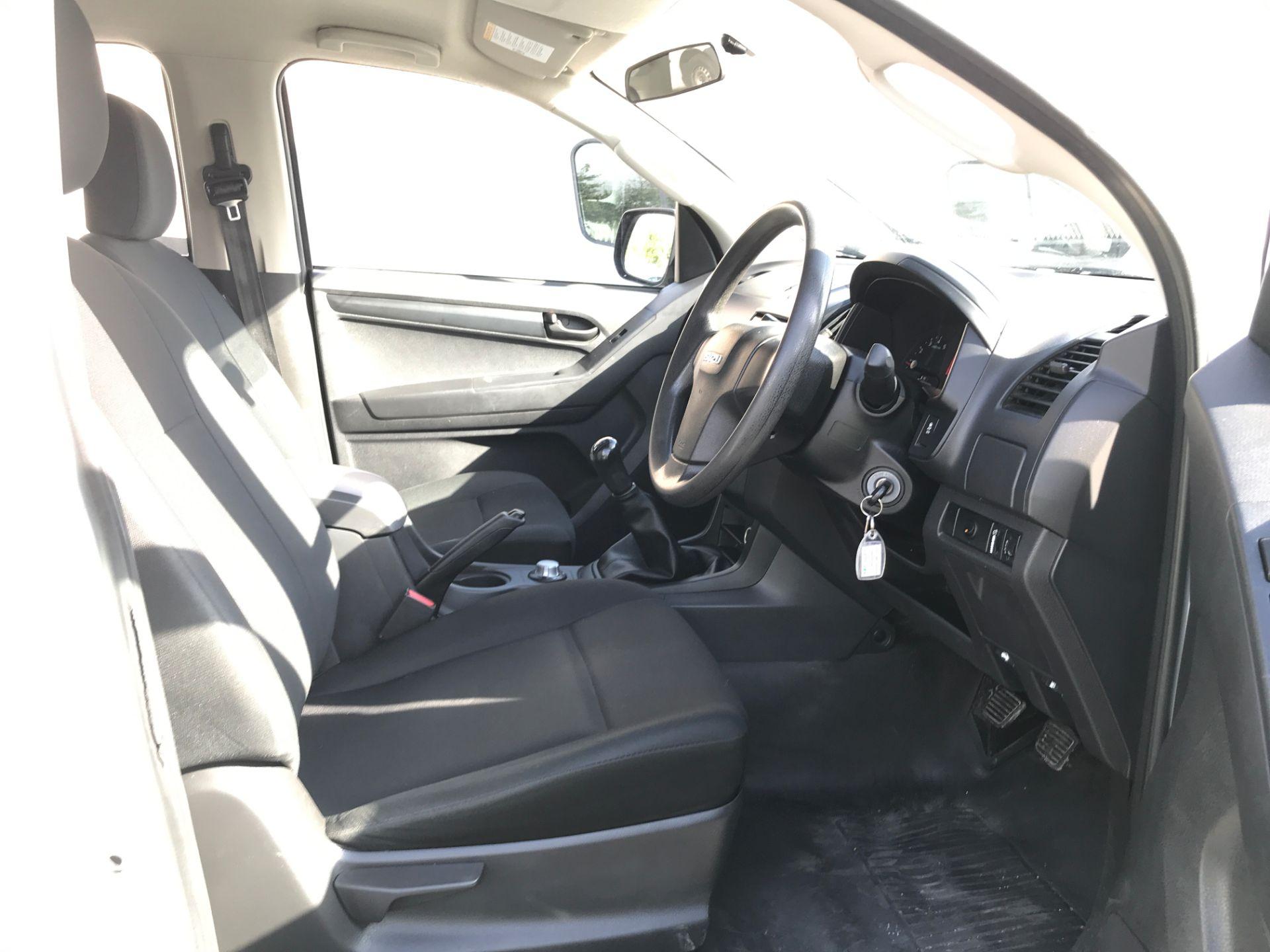 2015 Isuzu D-Max DOUBLE CAB 4X4 2.5TD 163PS EURO 5, AIR CON (YB65DJF) Image 2