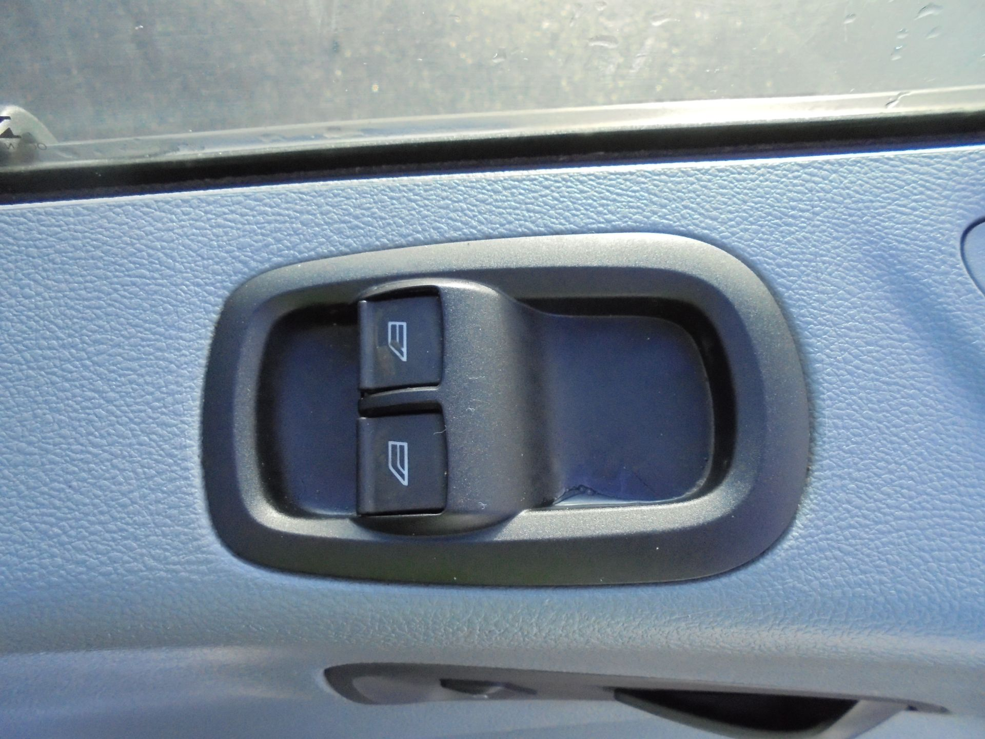 2016 Ford Transit 350 2.2 Tdci 125Ps L3 H2 Van Aftermarket Alarm and Security Locks (YB66WYX) Image 13