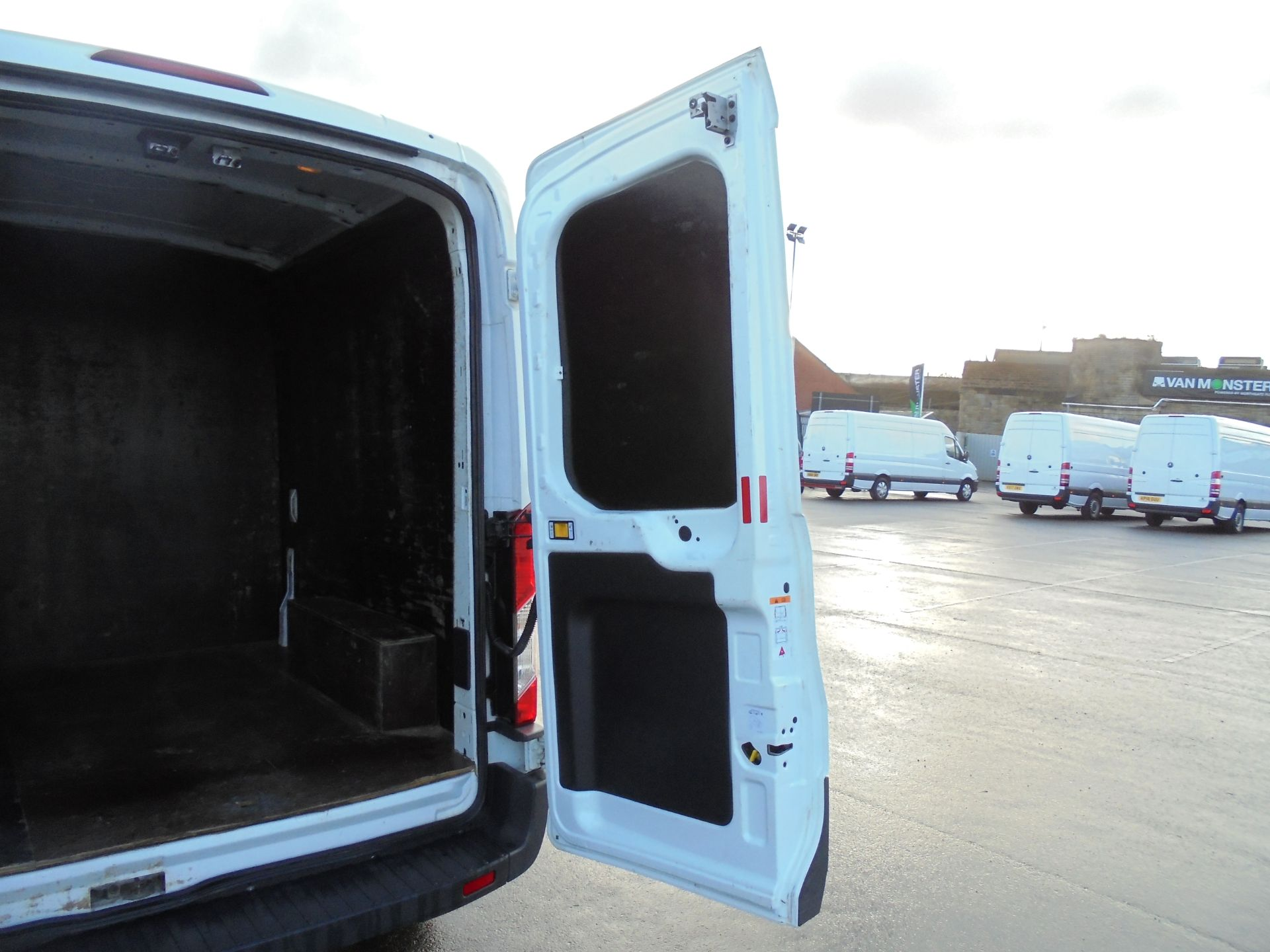 2016 Ford Transit 350 2.2 Tdci 125Ps L3 H2 Van Aftermarket Alarm and Security Locks (YB66WYX) Image 28