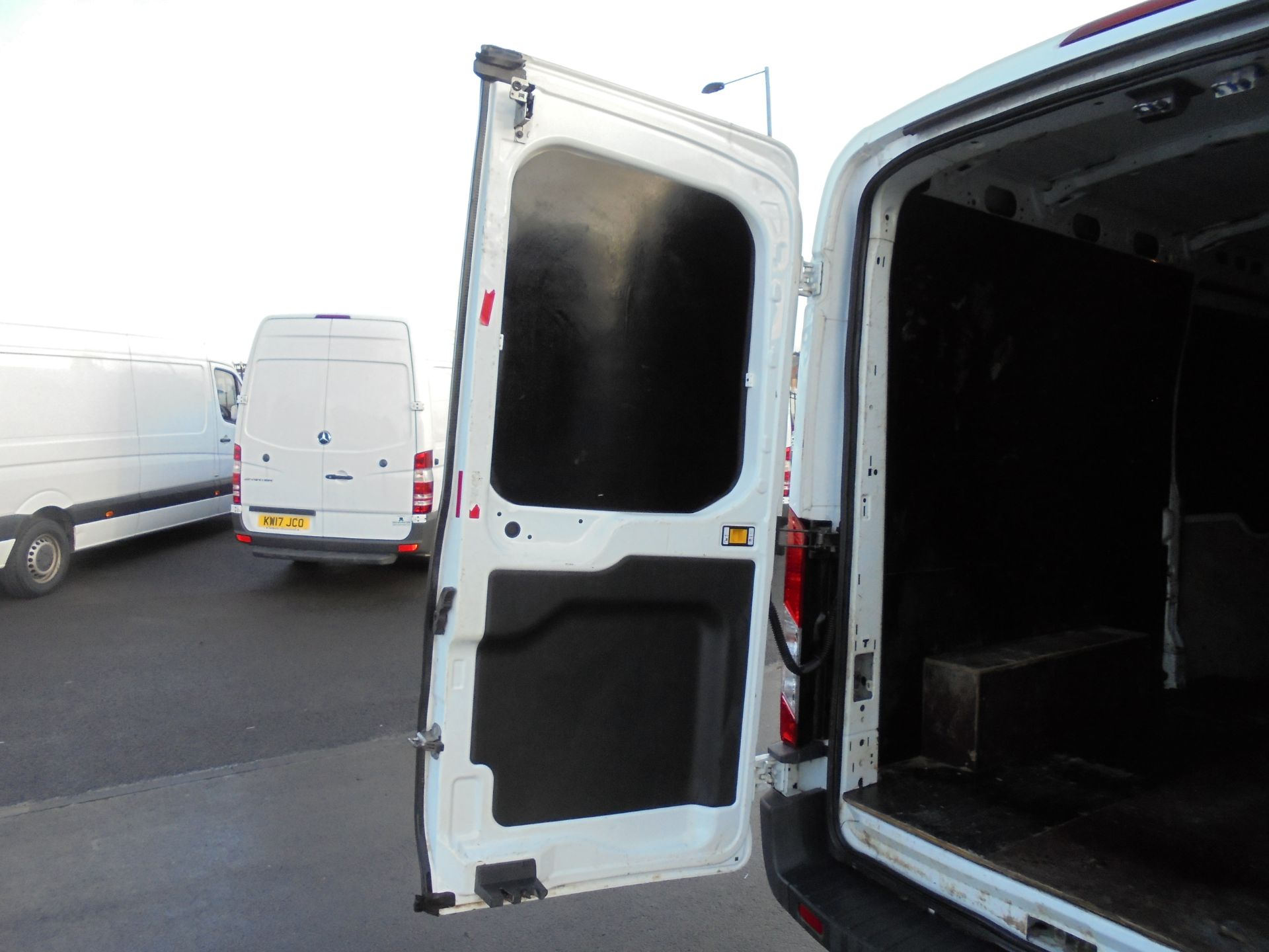 2016 Ford Transit 350 2.2 Tdci 125Ps L3 H2 Van Aftermarket Alarm and Security Locks (YB66WYX) Image 27