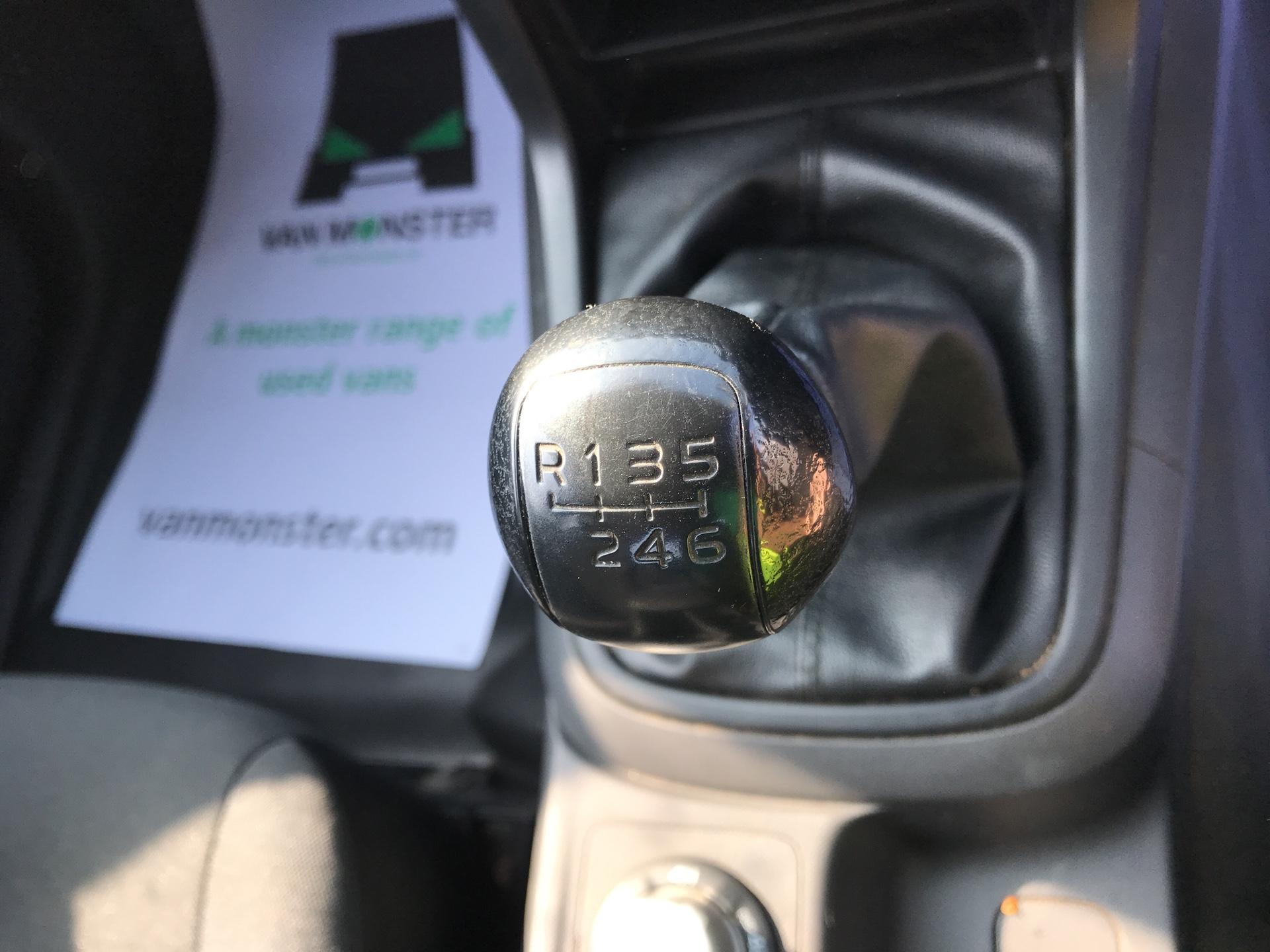 2016 Isuzu D-Max  Double Cab 4 x 4 2.5 TD Euro 5 (YD16PGF) Image 11