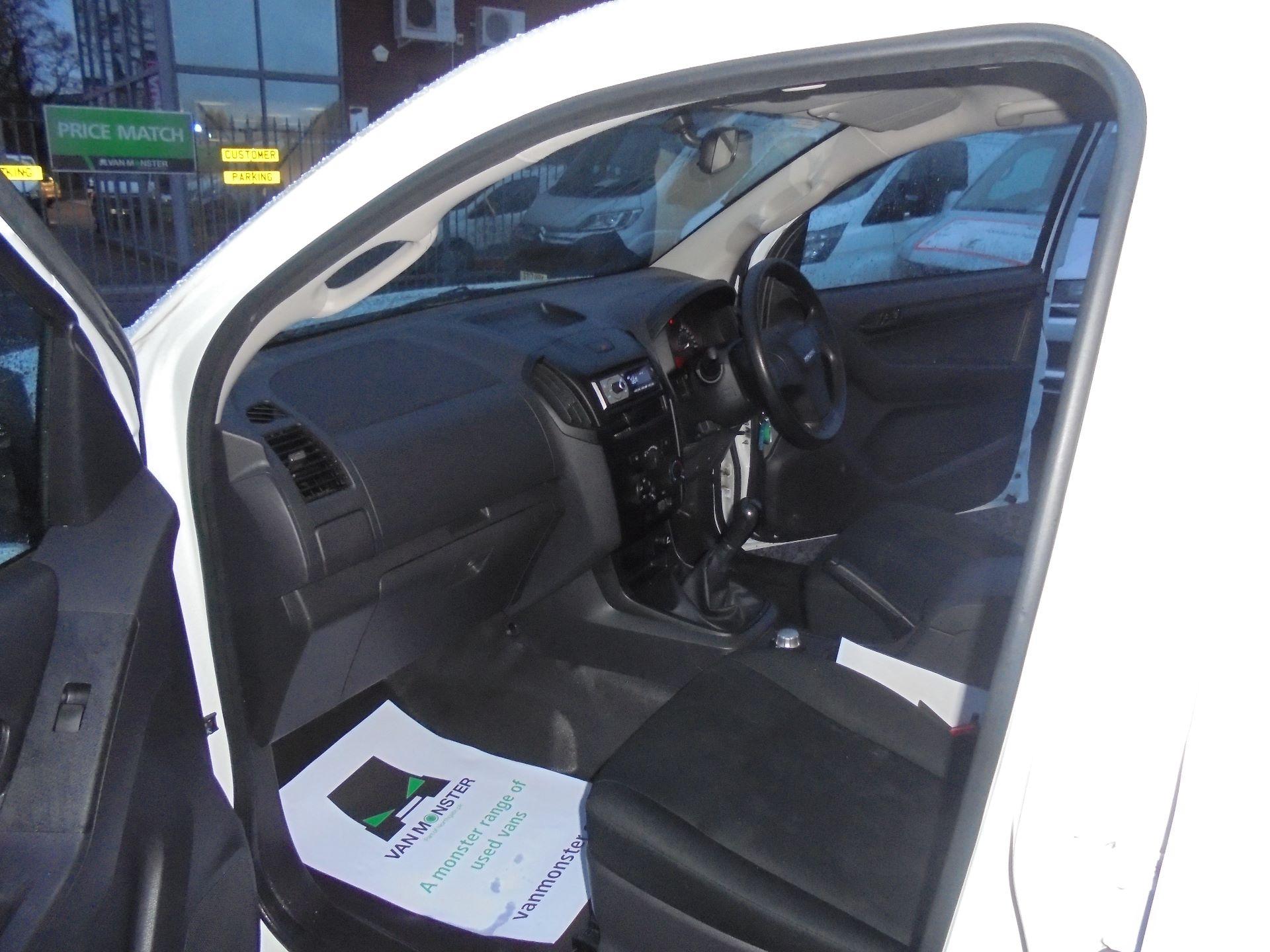 2017 Isuzu D-Max 1.9 Double Cab 4X4 (YD67YVZ) Image 15