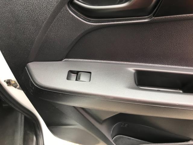 2017 Isuzu D-Max 1.9 Double Cab 4X4 Euro 6 (YD67YWX) Image 28