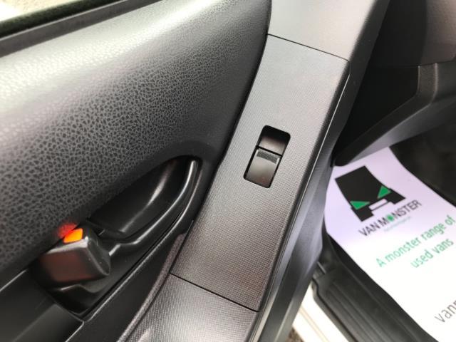 2017 Isuzu D-Max 1.9 Double Cab 4X4 Euro 6 (YD67YWX) Image 33