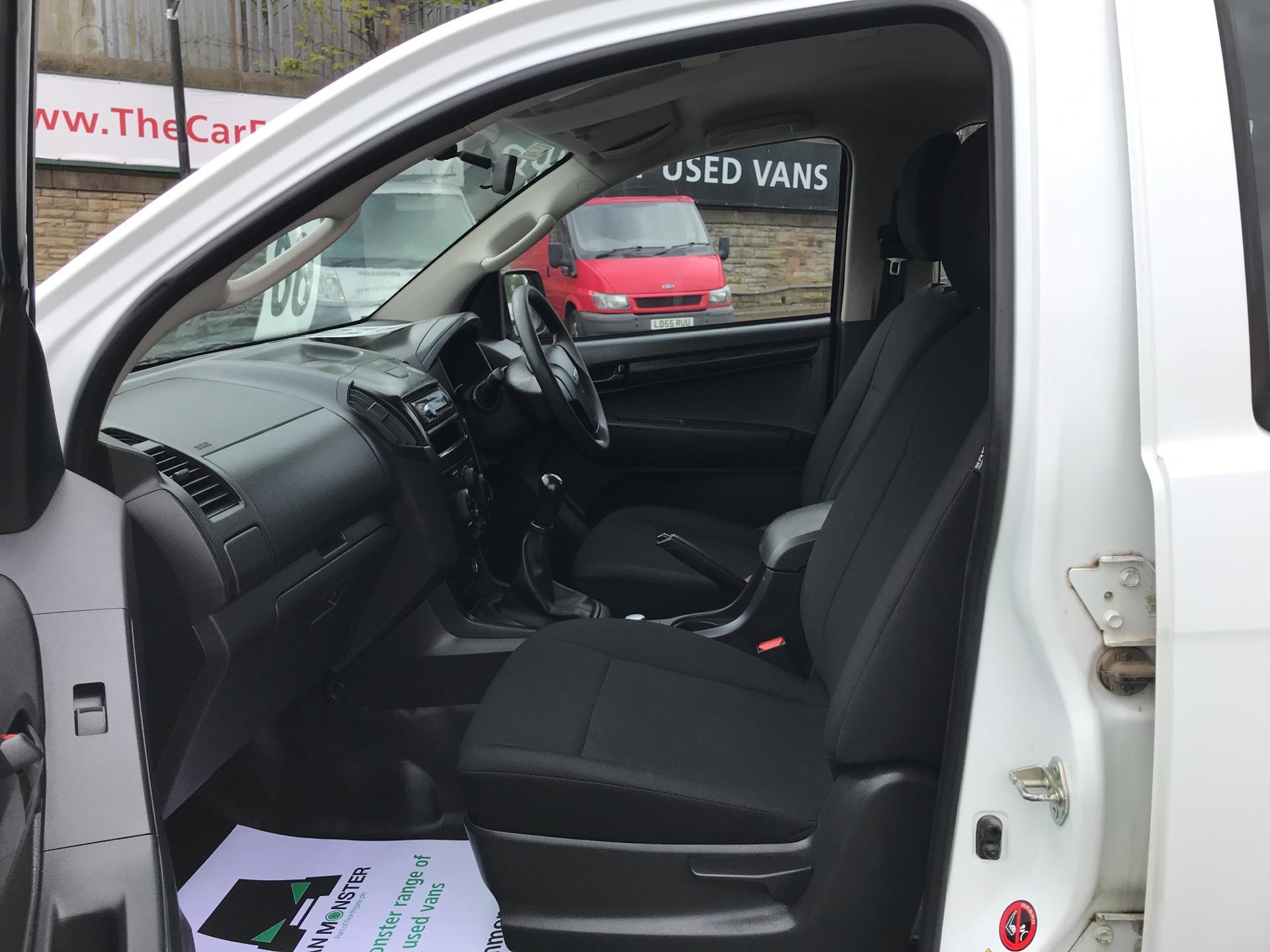 2015 Isuzu D-Max 2.5Td Double Cab 4X4 (YE65VOF) Image 14