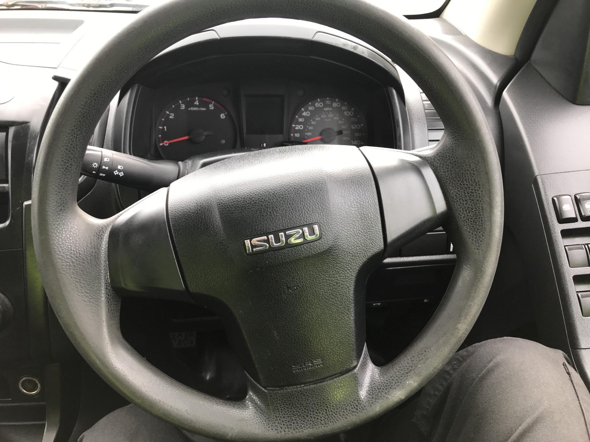 2015 Isuzu D-Max 2.5Td Double Cab 4X4 (YE65VOF) Image 12