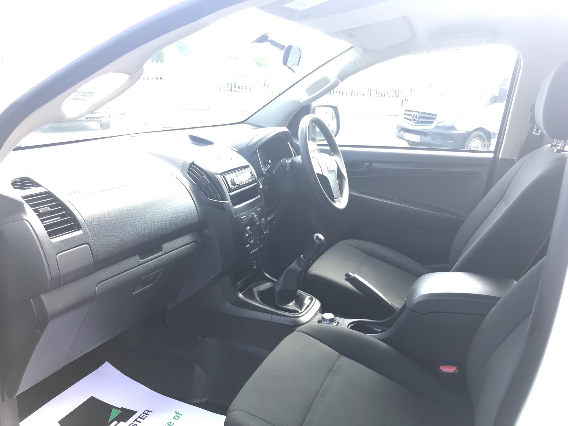 2015 Isuzu D-Max Double Cab 4*4 2.5 TD EURO 5 (YE65VOG) Image 14