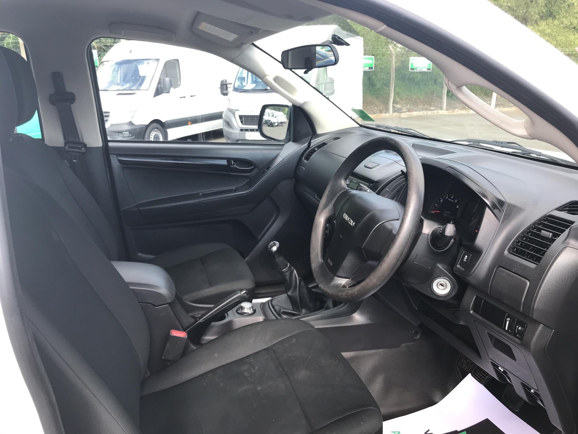 2015 Isuzu D-Max Double Cab 4*4 2.5 TD EURO 5 (YE65VOG) Image 9