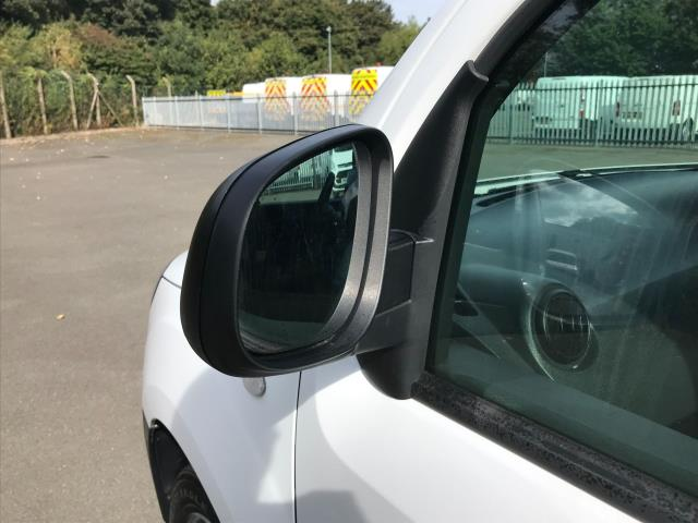 2017 Mercedes-Benz Citan  109 CDI VAN 90PS (YE67YNB) Image 15