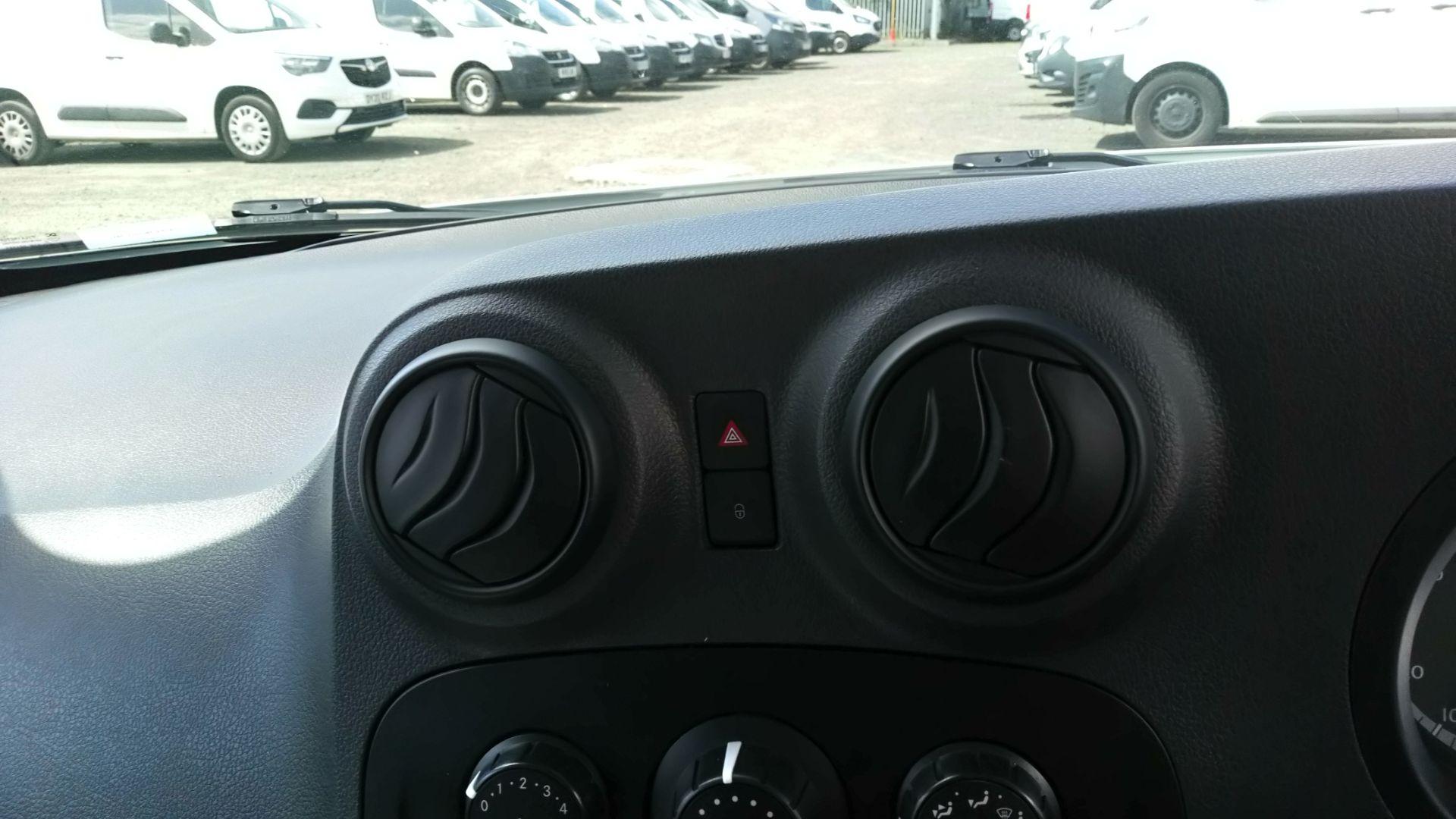 2017 Mercedes-Benz Citan 109Cdi Van (YE67YNG) Image 18