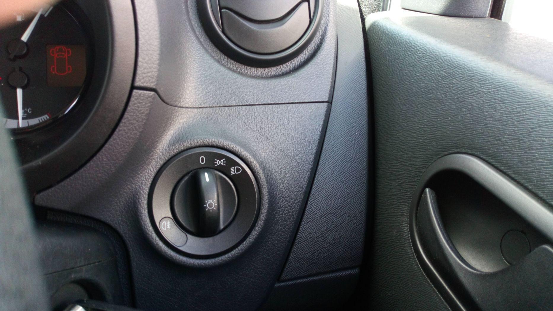 2017 Mercedes-Benz Citan 109Cdi Van (YE67YNG) Image 21