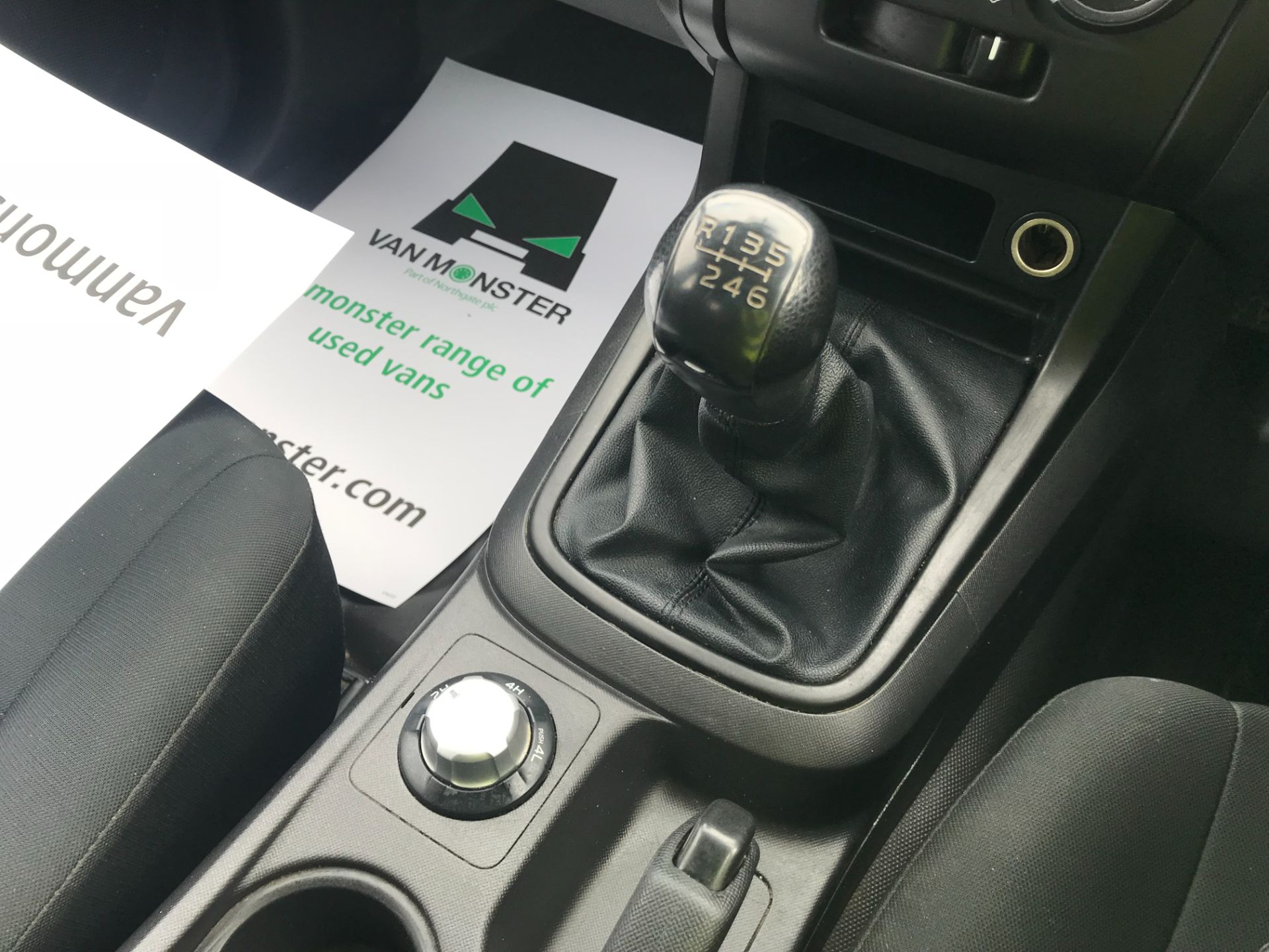 2017 Isuzu D-Max Double Cab 4*4 2.5 TD EURO 5 (YG17WSU) Image 27