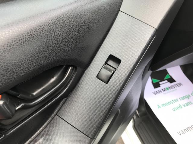 2017 Isuzu D-Max Double Cab 4*4 2.5 TD EURO 5 (YG17WSY) Image 23