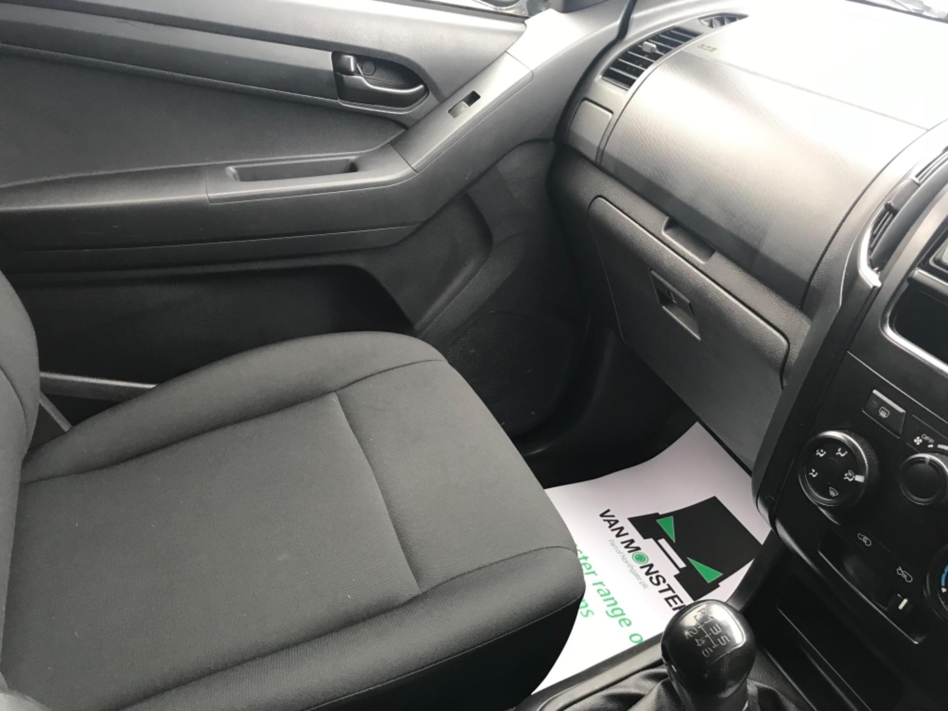 2018 Isuzu D-Max 1.9 Double Cab 4X4 (YG18FZJ) Image 11