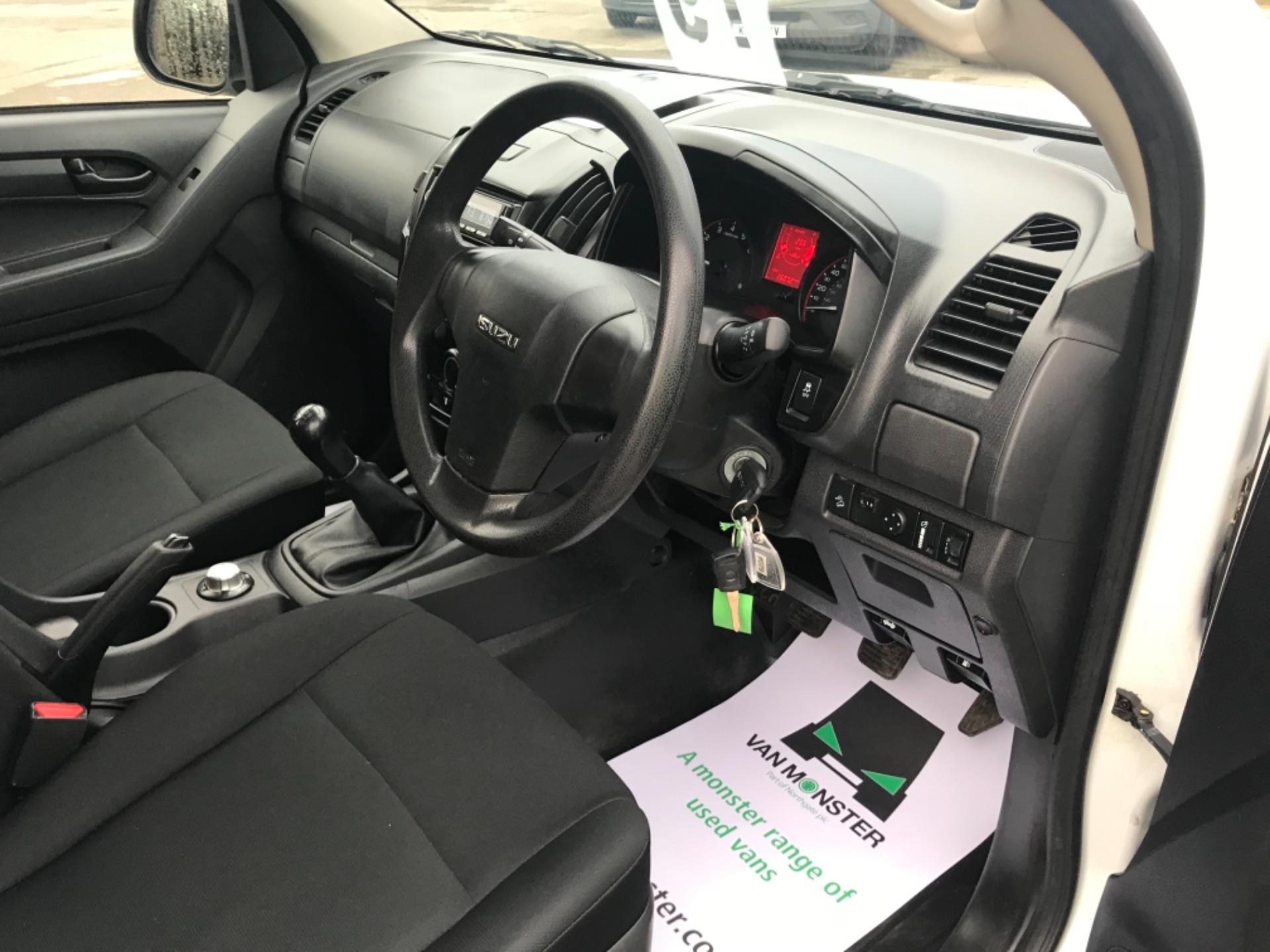 2018 Isuzu D-Max 1.9 Double Cab 4X4 (YG18FZJ) Image 6