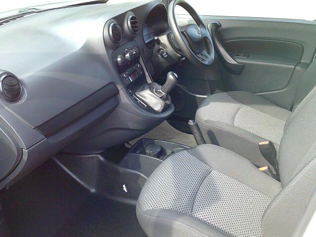 2018 Mercedes-Benz Citan Long Diesel 109Cdi Van (YJ18NUC) Image 15