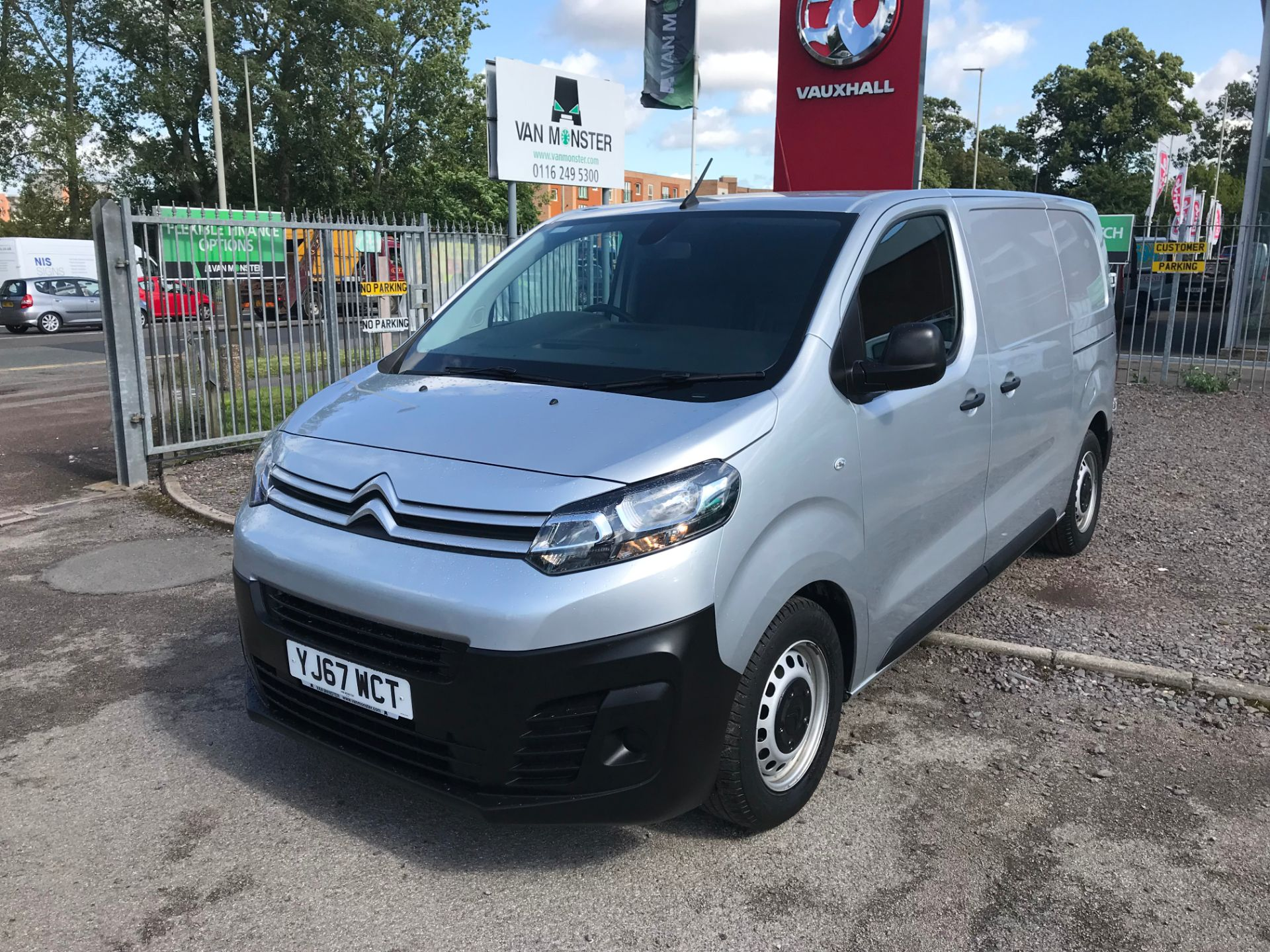 2017 Citroen Dispatch 1000 1.6 Bluehdi 95 Van Enterprise EURO 6 (YJ67WCT) Image 10
