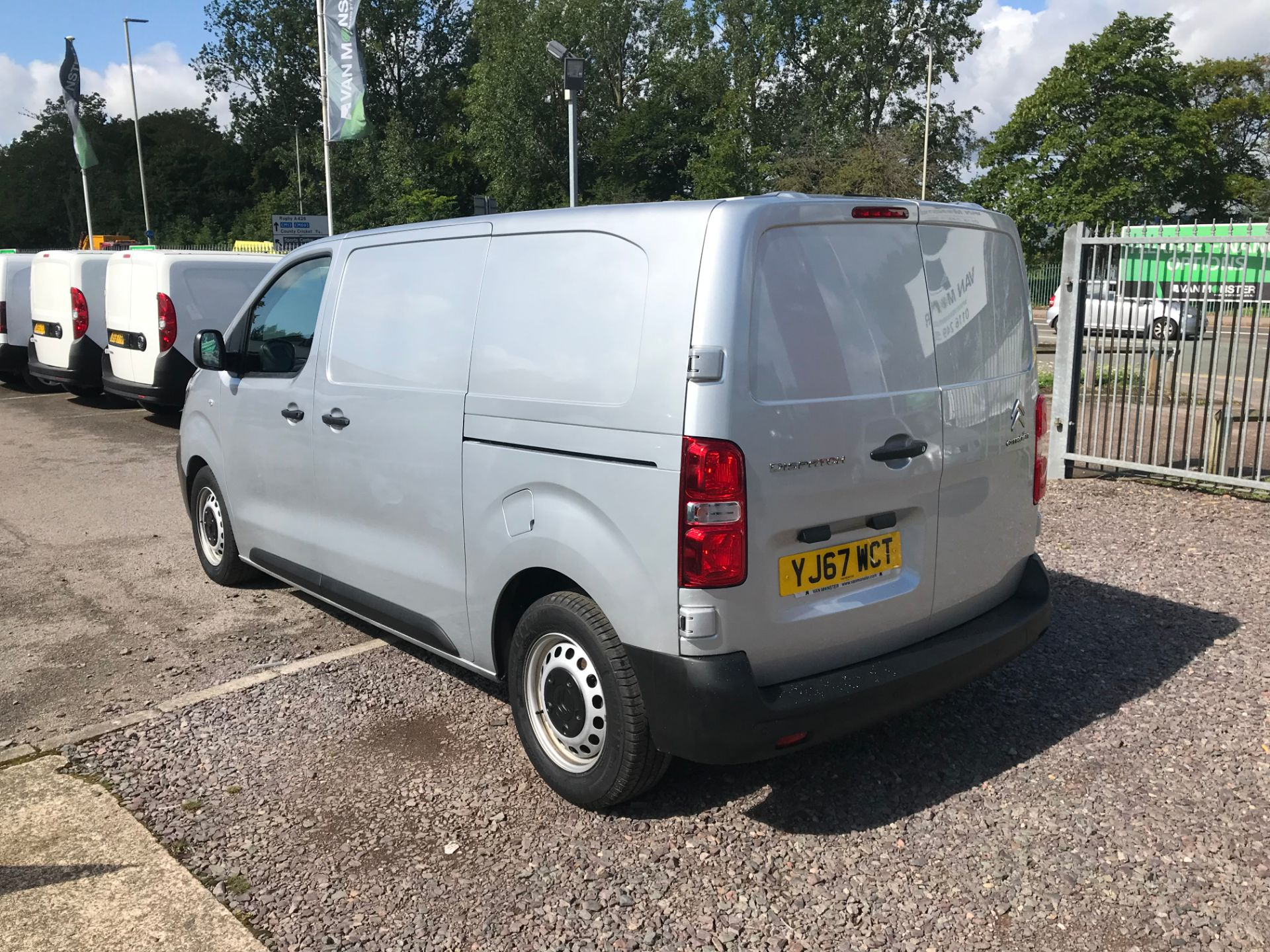 2017 Citroen Dispatch 1000 1.6 Bluehdi 95 Van Enterprise EURO 6 (YJ67WCT) Image 7