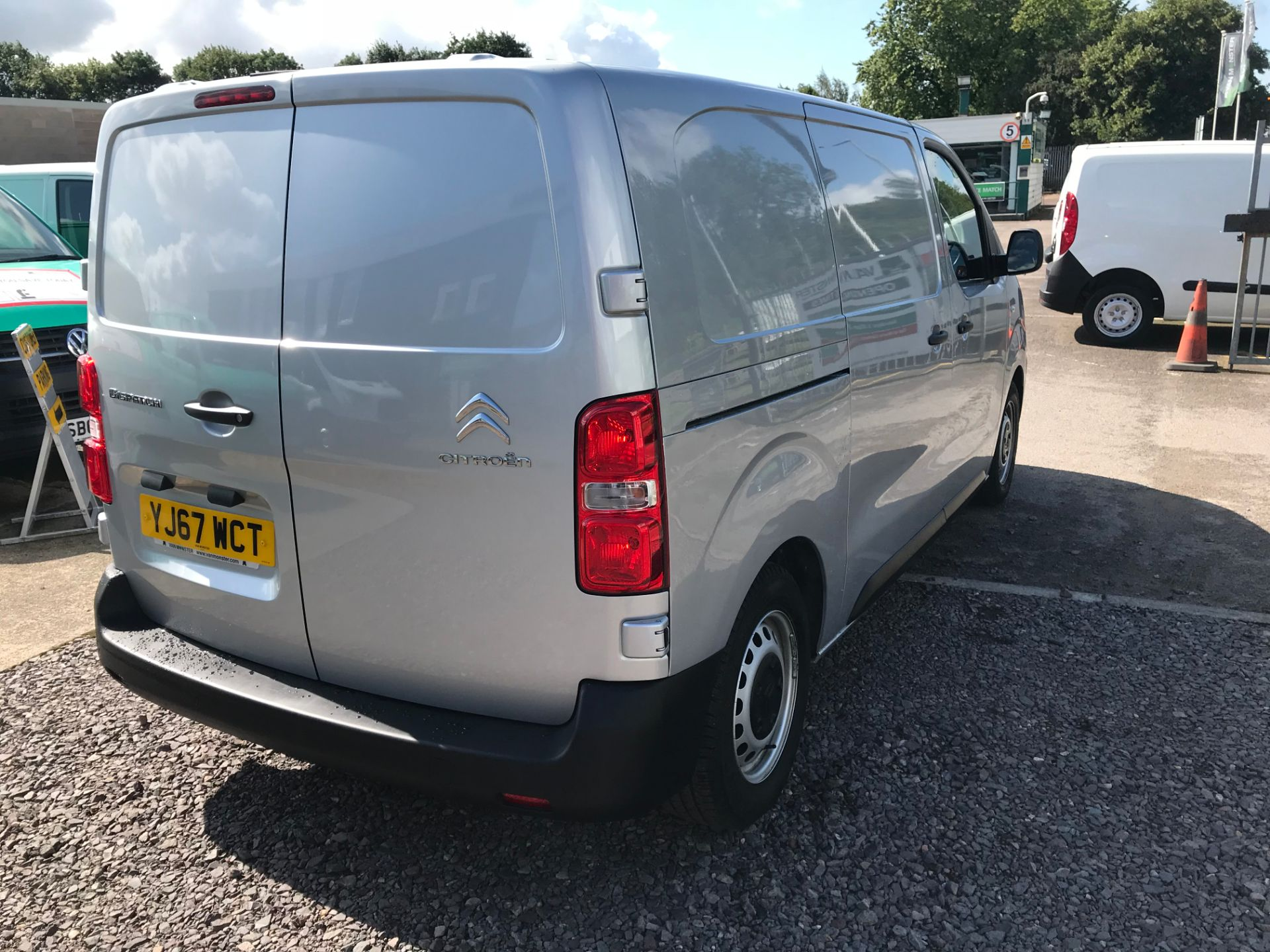 2017 Citroen Dispatch 1000 1.6 Bluehdi 95 Van Enterprise EURO 6 (YJ67WCT) Image 4
