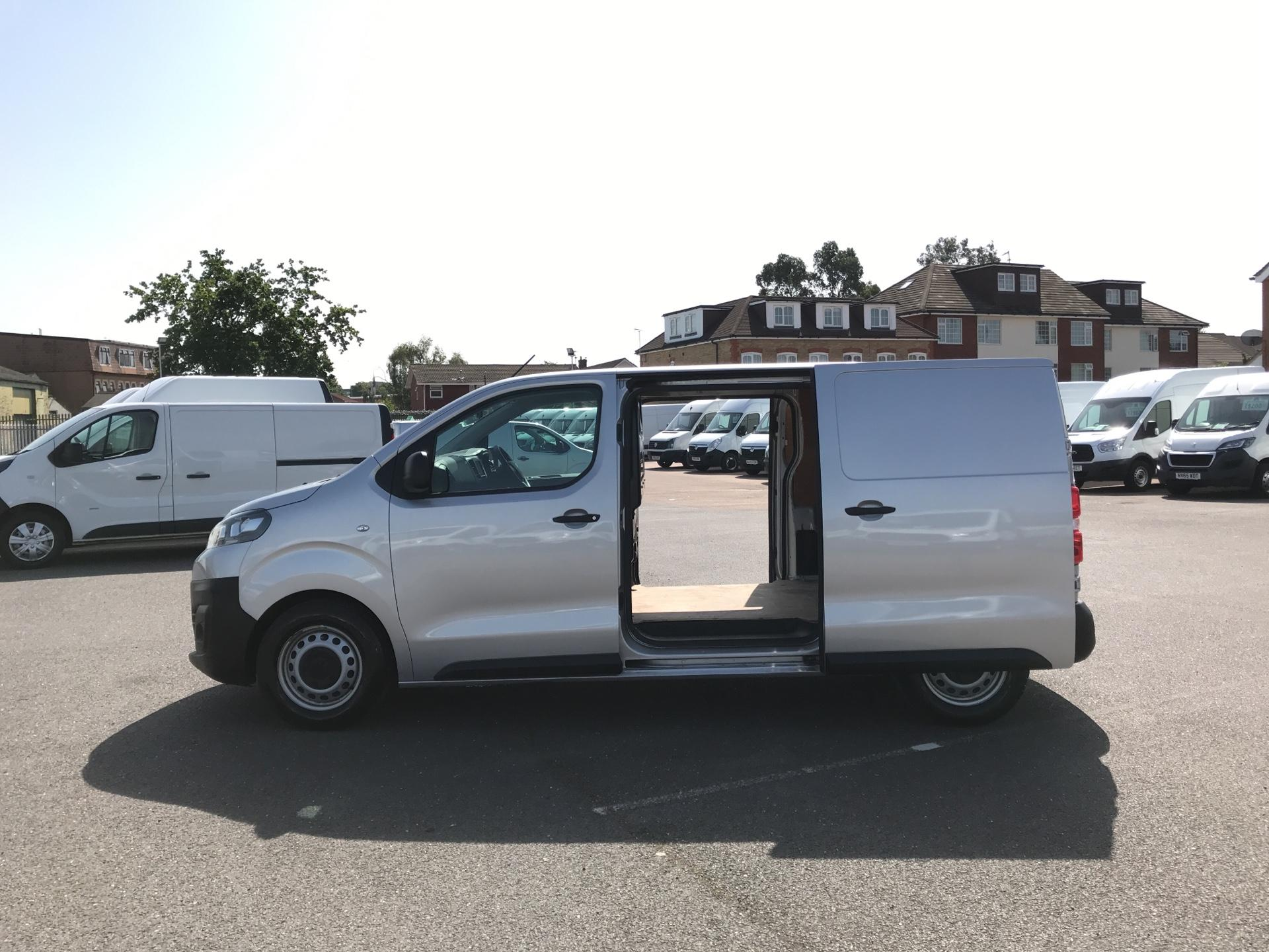 2017 Citroen Dispatch  M DIESEL 1000 1.6 BLUE HDI 95 ENTERPRISE EURO 6 (YJ67WDK) Image 18
