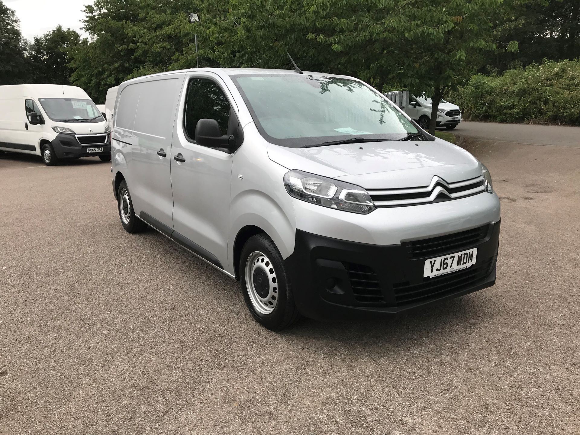 2017 Citroen Dispatch 1000 1.6 Bluehdi 95 Van Enterprise (YJ67WDM)