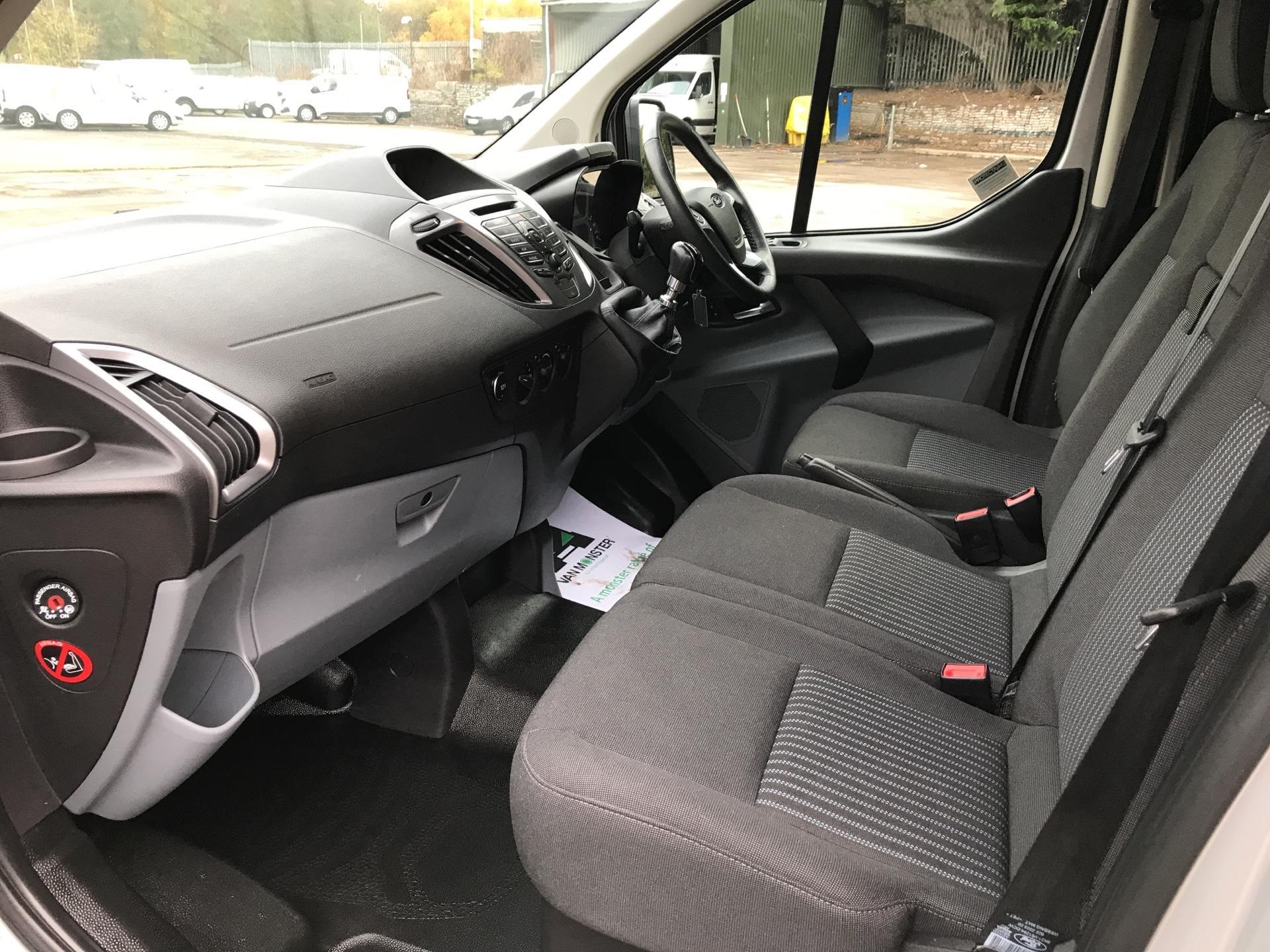2014 Ford Transit Custom 330 L2 DIESEL FWD 2.2 TDCI 125PS LOW ROOF TREND VAN EURO 5 (YK64GDE) Image 14