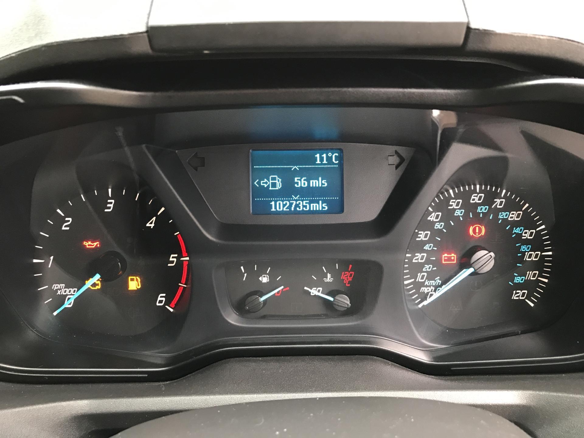 2014 Ford Transit Custom 330 L2 DIESEL FWD 2.2 TDCI 125PS LOW ROOF TREND VAN EURO 5 (YK64GDE) Image 13