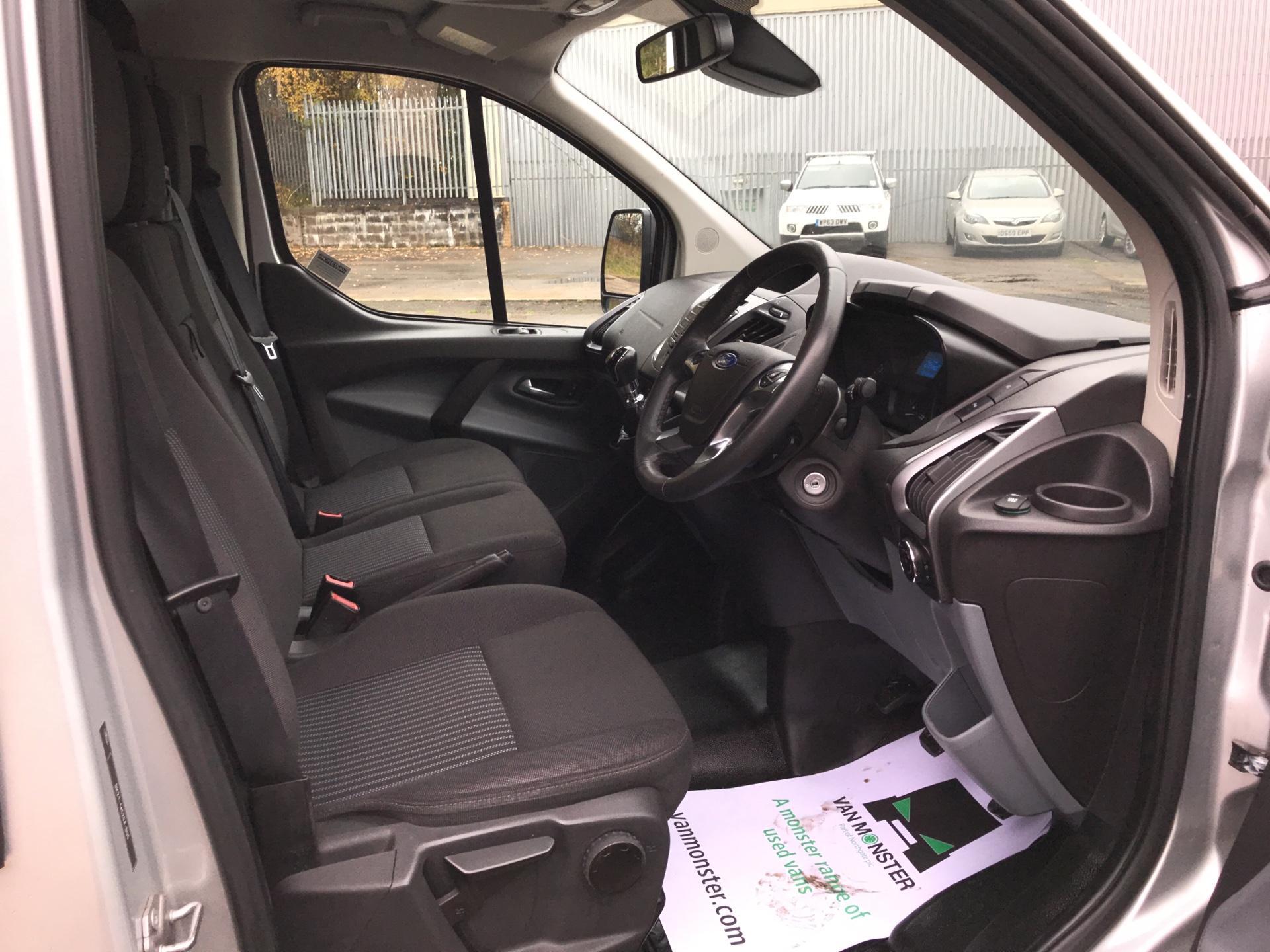 2014 Ford Transit Custom 330 L2 DIESEL FWD 2.2 TDCI 125PS LOW ROOF TREND VAN EURO 5 (YK64GDE) Image 9