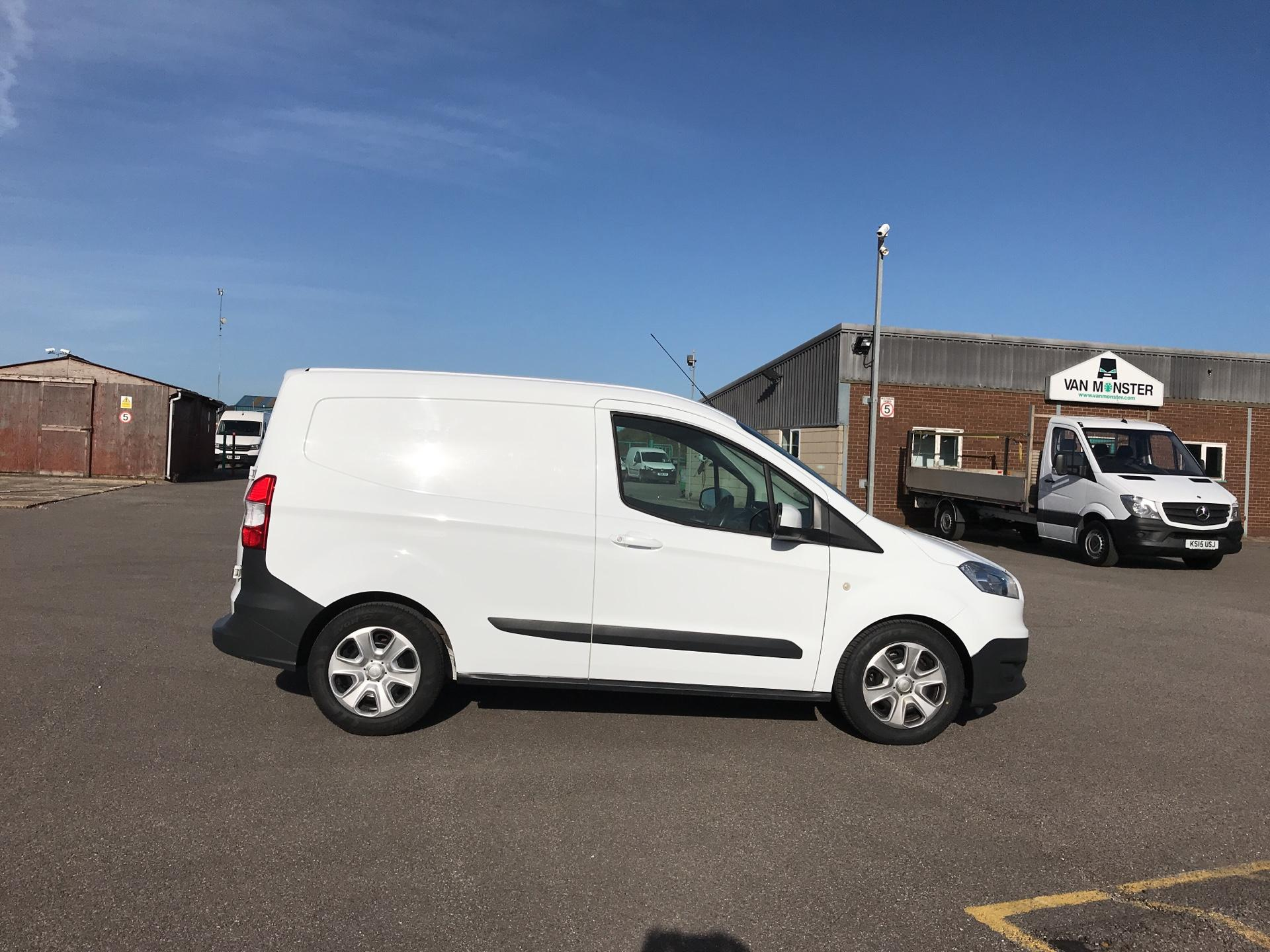 2014 Ford Transit Courier 1.5 TDCI 75PS TREND VAN (YK64ZBZ) Image 2