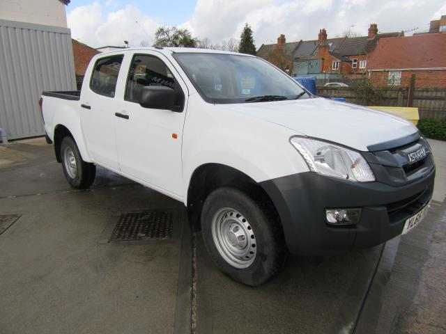 2016 Isuzu D-Max Double Cab 4*4 2.5 TD EURO 5 - Air Con,  Tow Bar & Parking Sensors (YL65TGN)