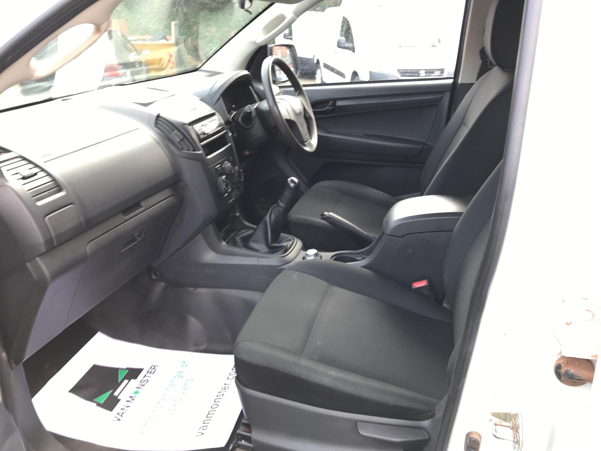 2016 Isuzu D-Max Double Cab 4*4 2.5 TD EURO 5 (YL65TGO) Image 14