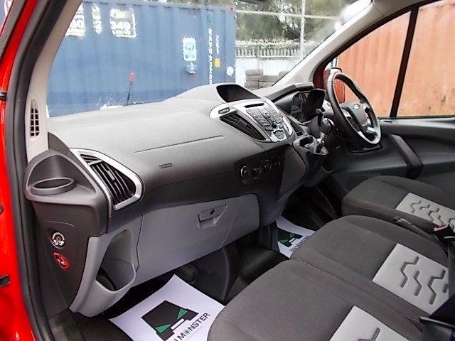 2016 Ford Transit Custom 270 L1 DIESEL FWD 2.2 TDCI 125PS LOW ROOF LIMITED VAN EURO 5 (YM16WFV) Image 12