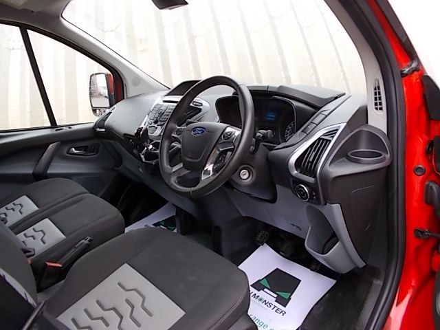 2016 Ford Transit Custom 270 L1 DIESEL FWD 2.2 TDCI 125PS LOW ROOF LIMITED VAN EURO 5 (YM16WFV) Image 14