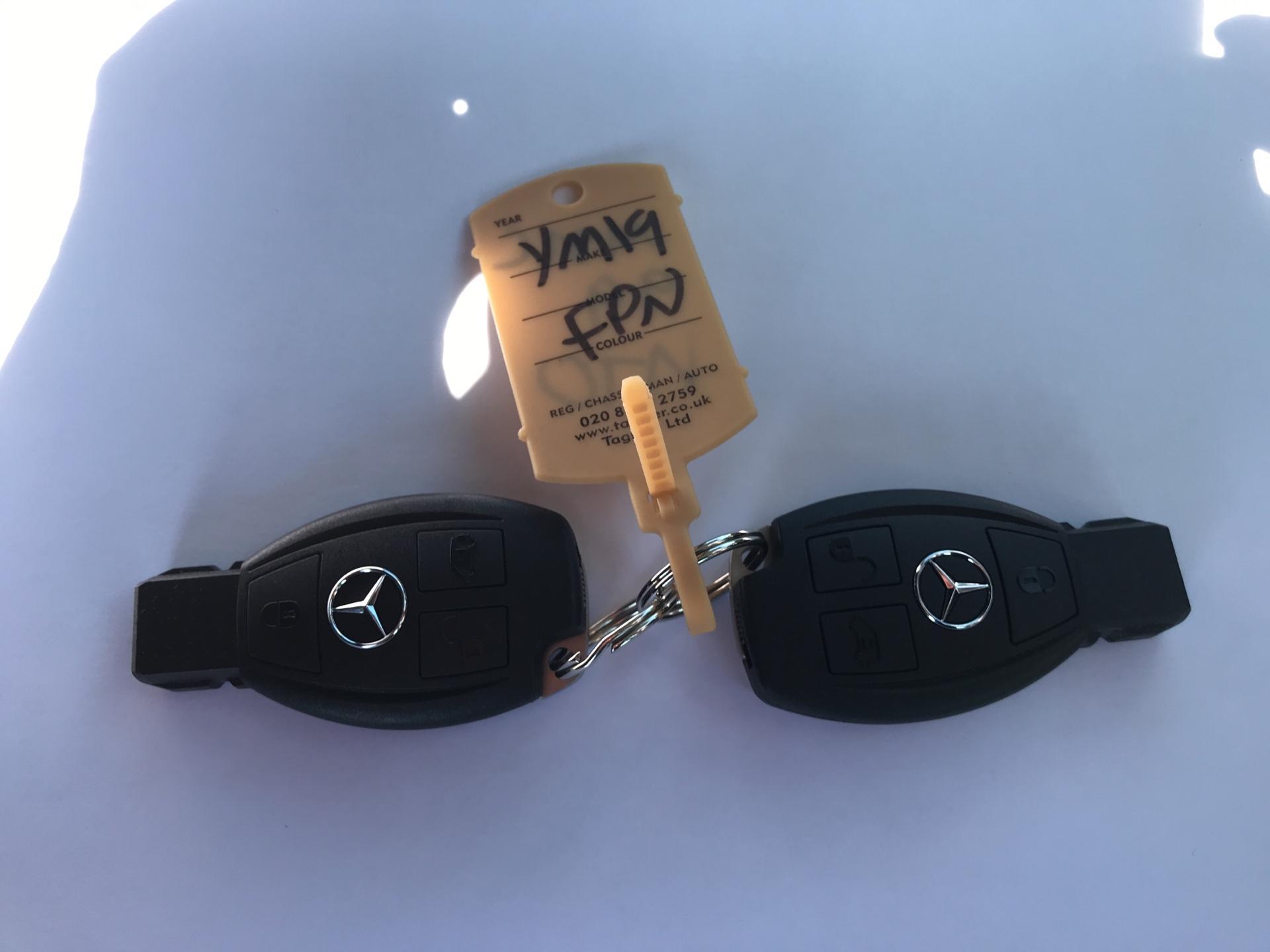 2019 Mercedes-Benz Vito 111Cdi Van Euro 6 Massive Specification A/C (YM19FPN) Image 21