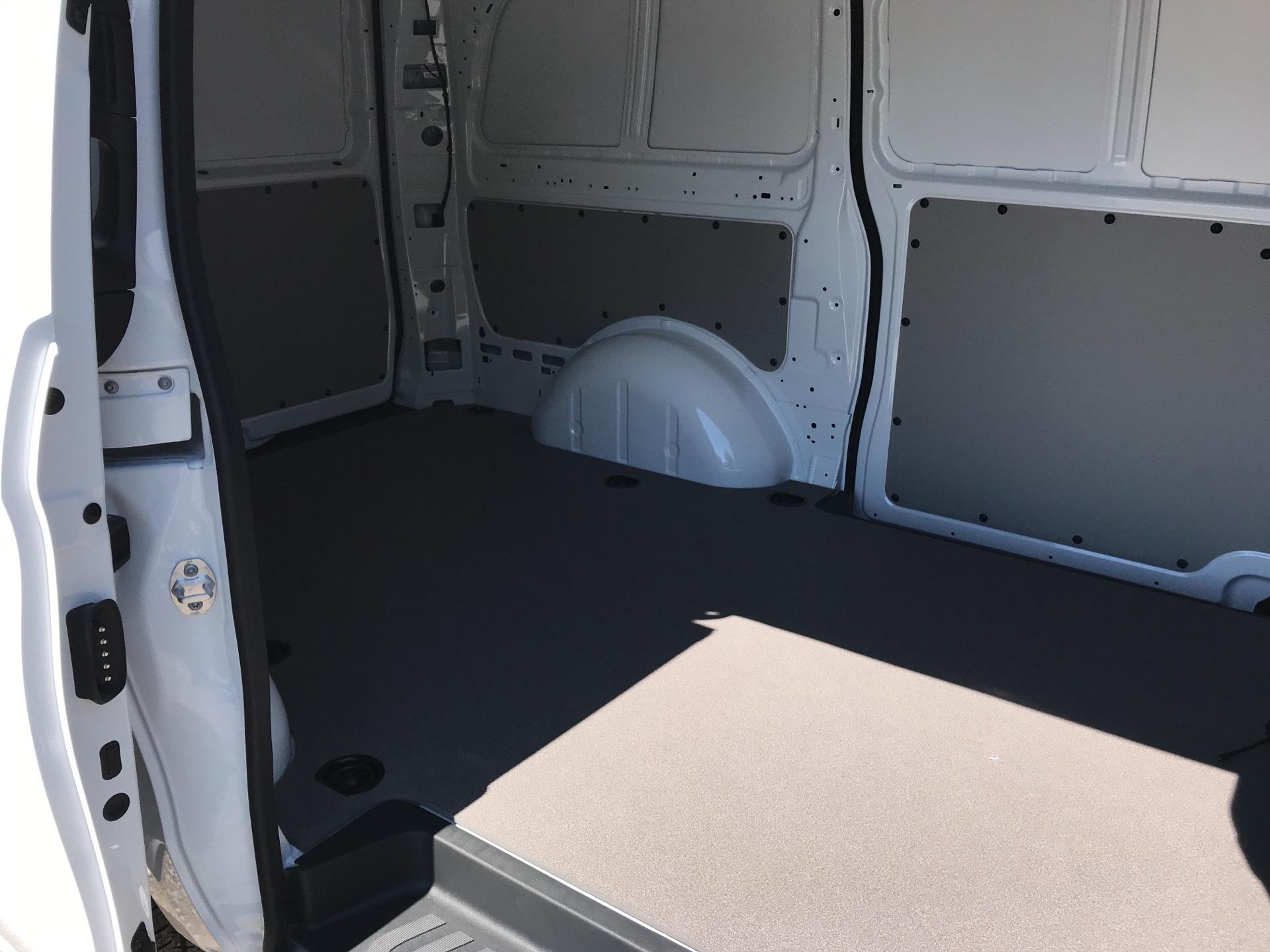 2019 Mercedes-Benz Vito 111Cdi Van Euro 6 Massive Specification A/C (YM19FPN) Image 18