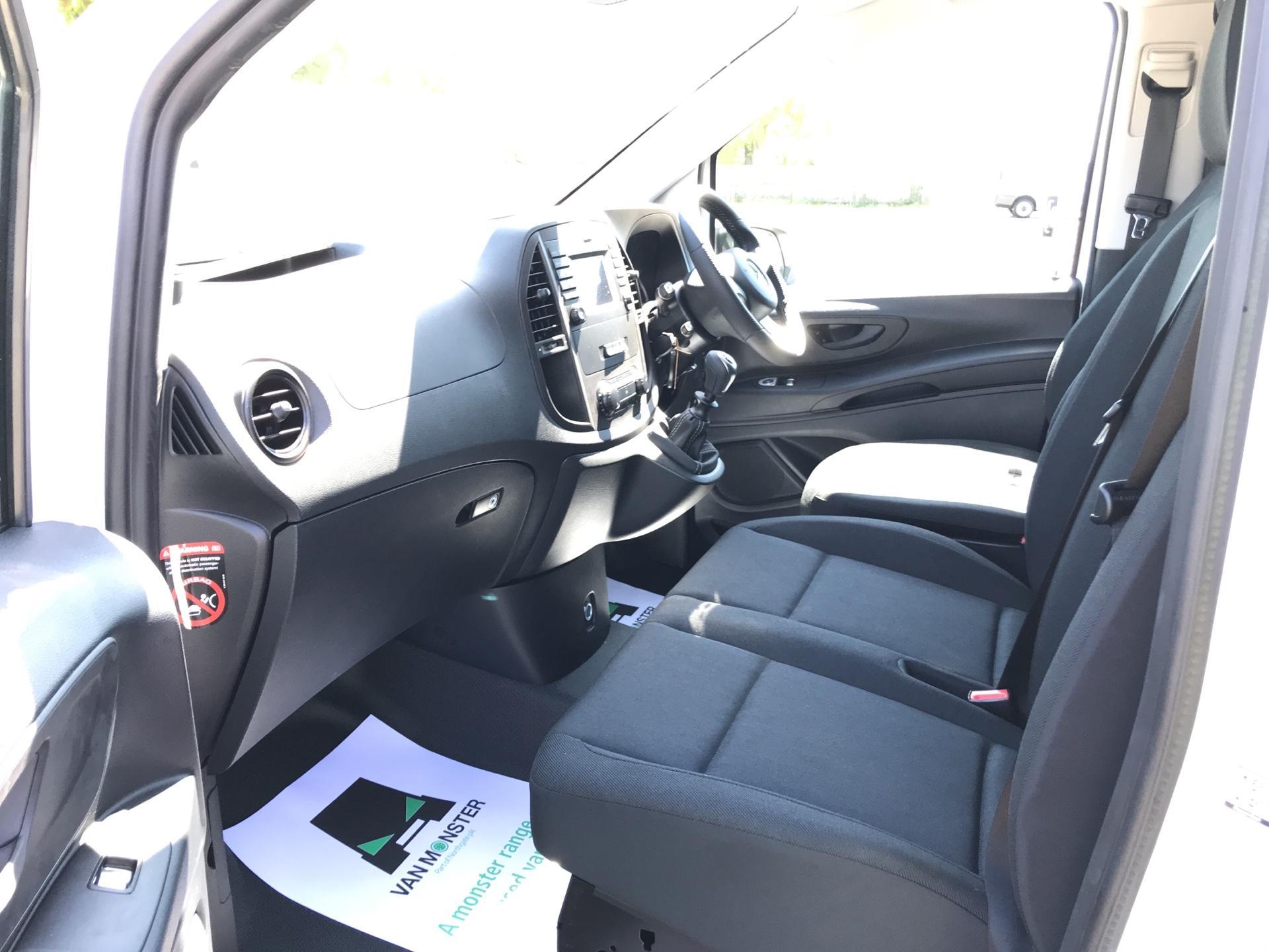 2019 Mercedes-Benz Vito 111Cdi Van Euro 6 Massive Specification A/C (YM19FPN) Image 14