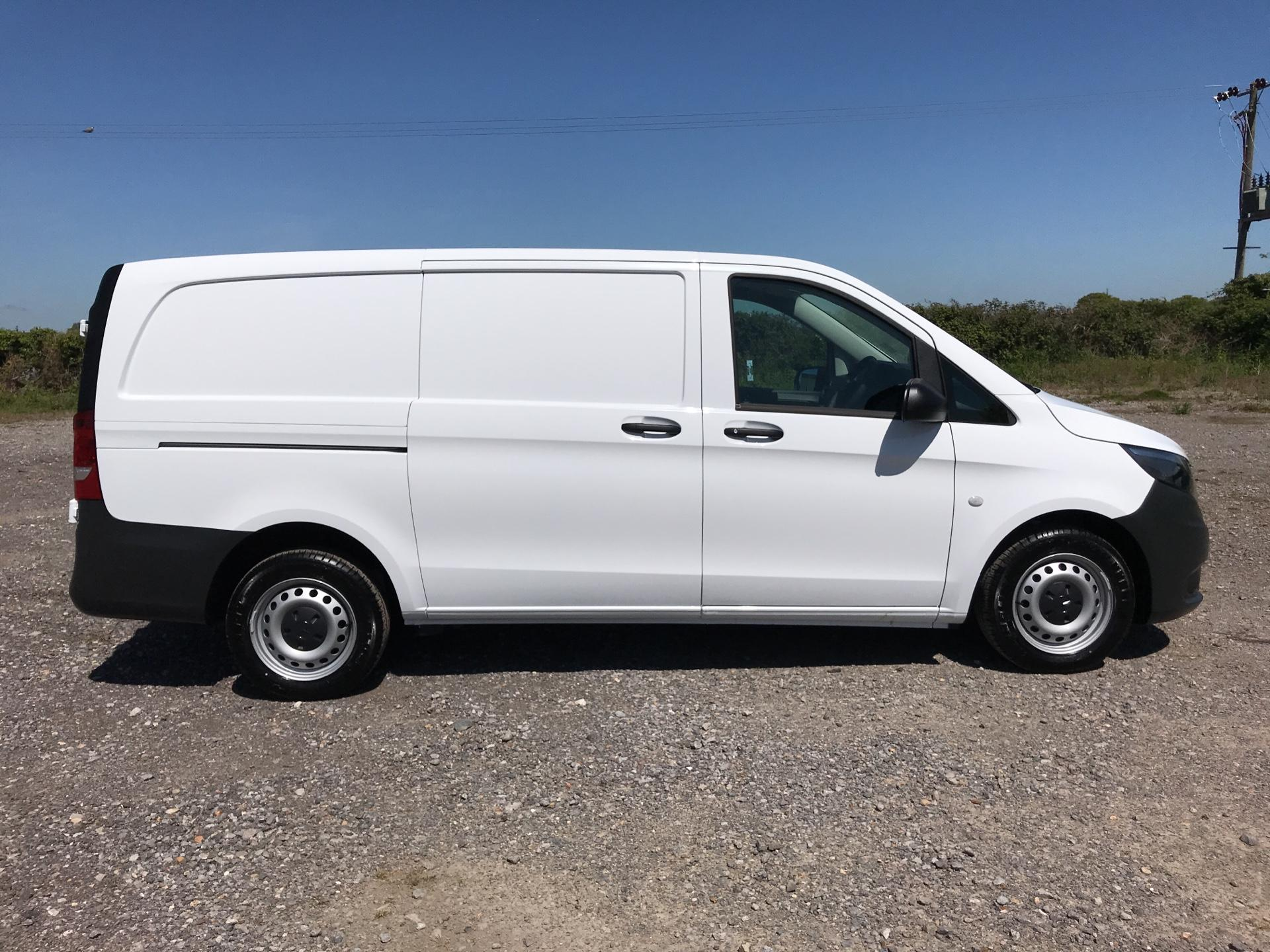 2019 Mercedes-Benz Vito 111Cdi Van Euro 6 Massive Specification A/C  (YM19FRD) Image 2
