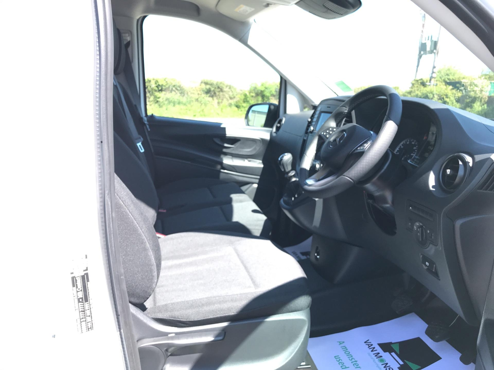 2019 Mercedes-Benz Vito 111Cdi Van Euro 6 Massive Specification A/C  (YM19FRD) Image 9